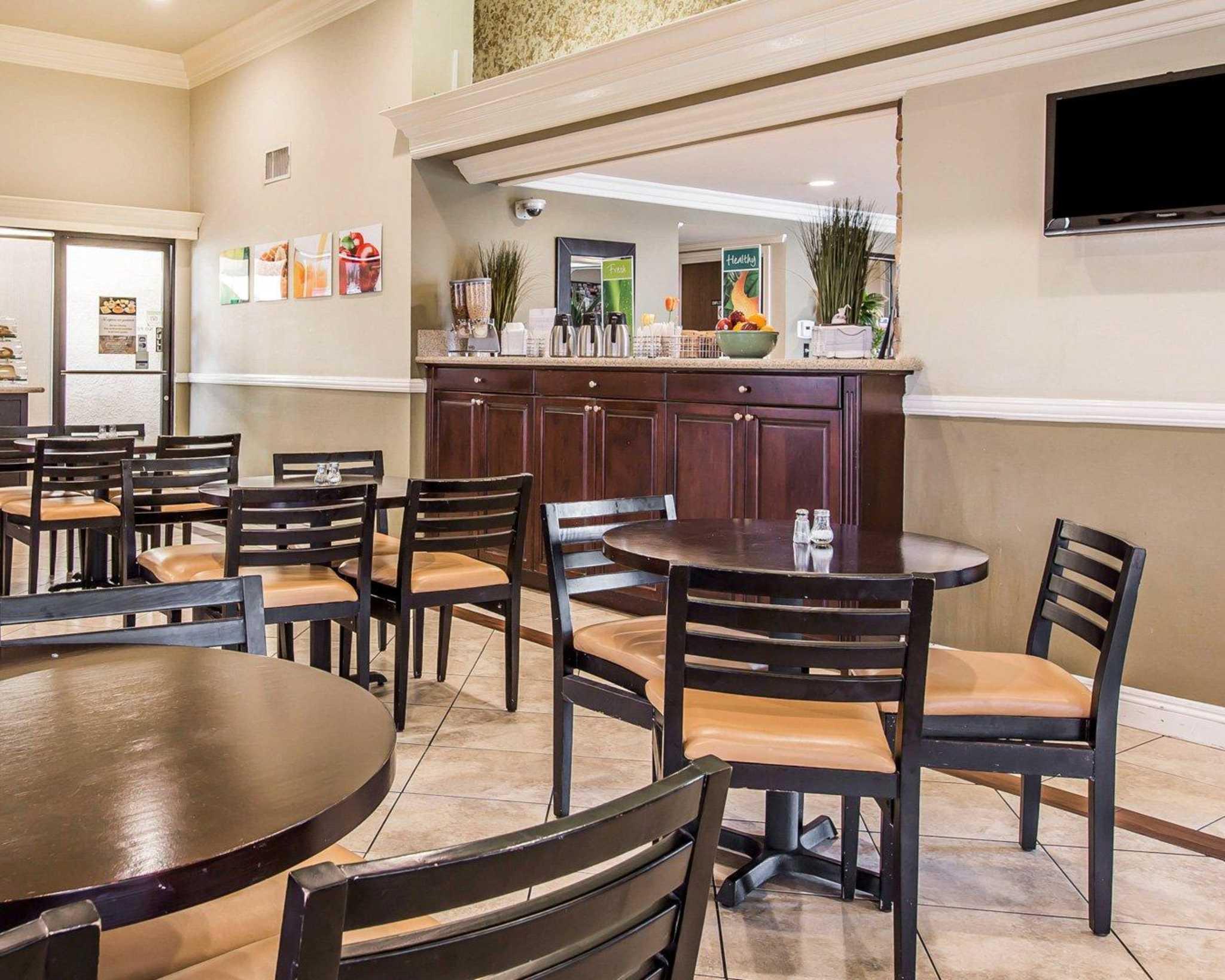 Quality Inn Long Beach Airport image 22