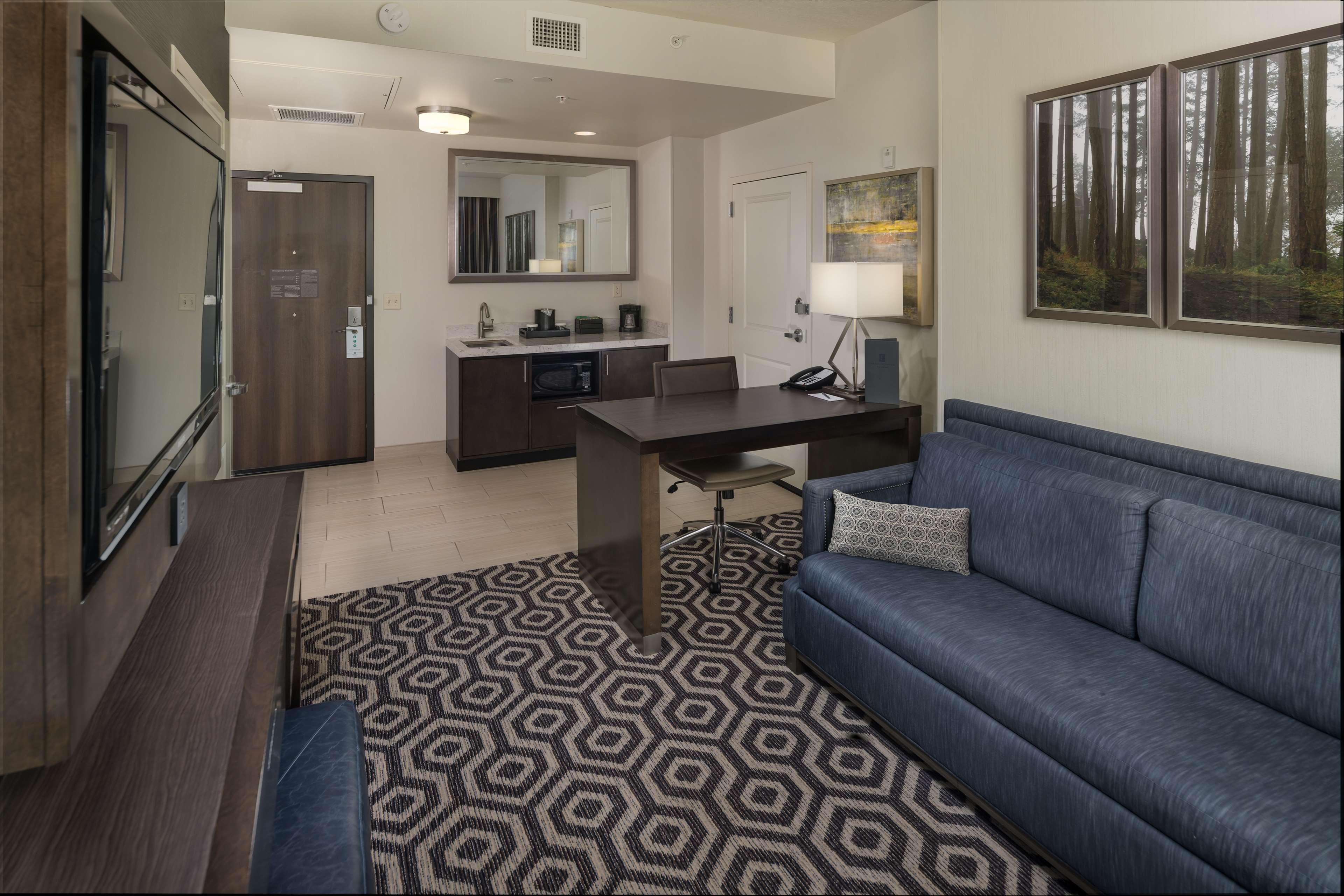 Embassy Suites by Hilton Portland Hillsboro, Oregon image 20