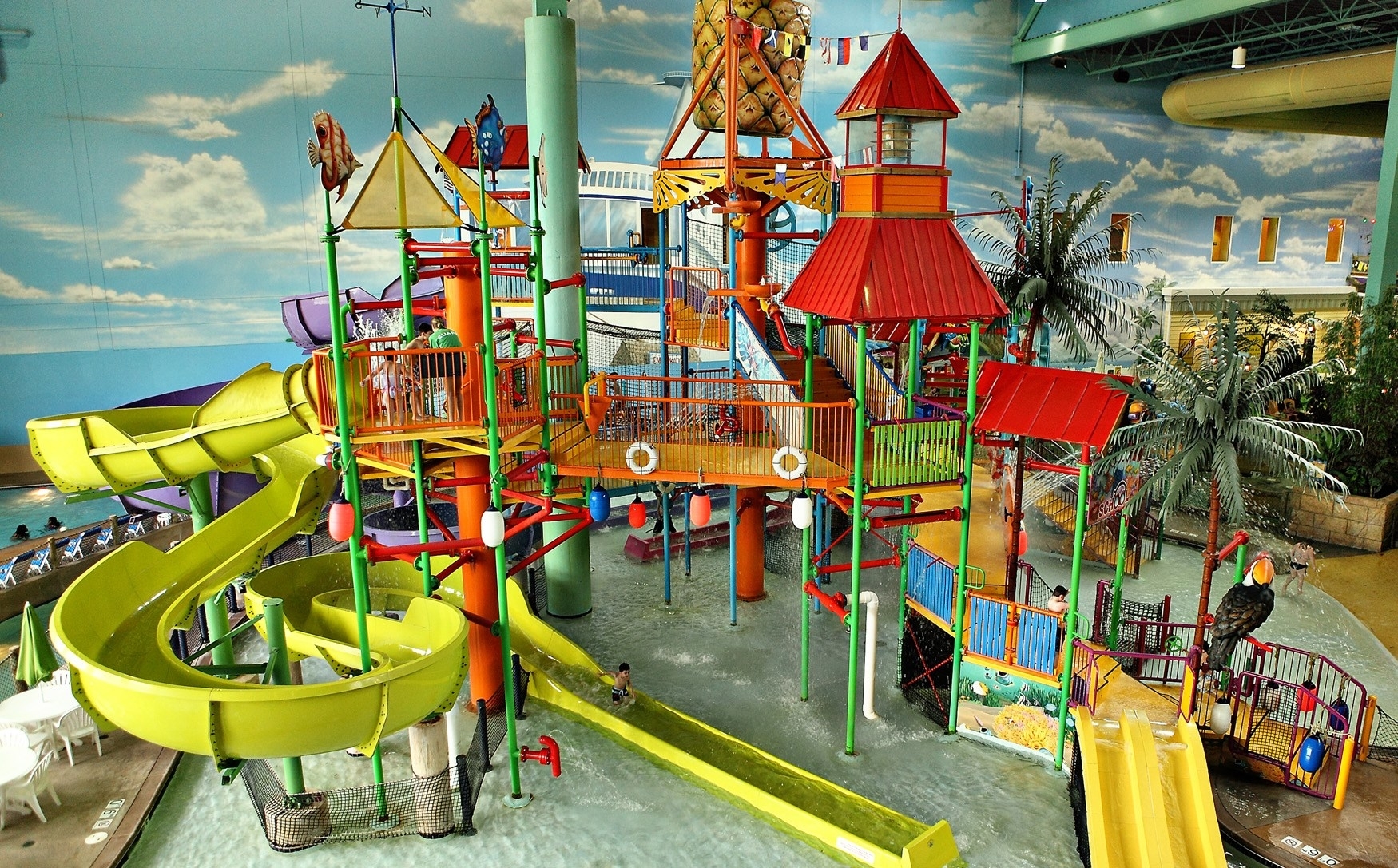 Jun 09,  · Key Lime Cove Water Paradise was a medium-sized indoor waterpark themed to the tropics. It didn't offer a lot of high-thrill, flashy water rides that can be found at bigger indoor water parks such as a funnel ride or a a FlowRider surfing ride.