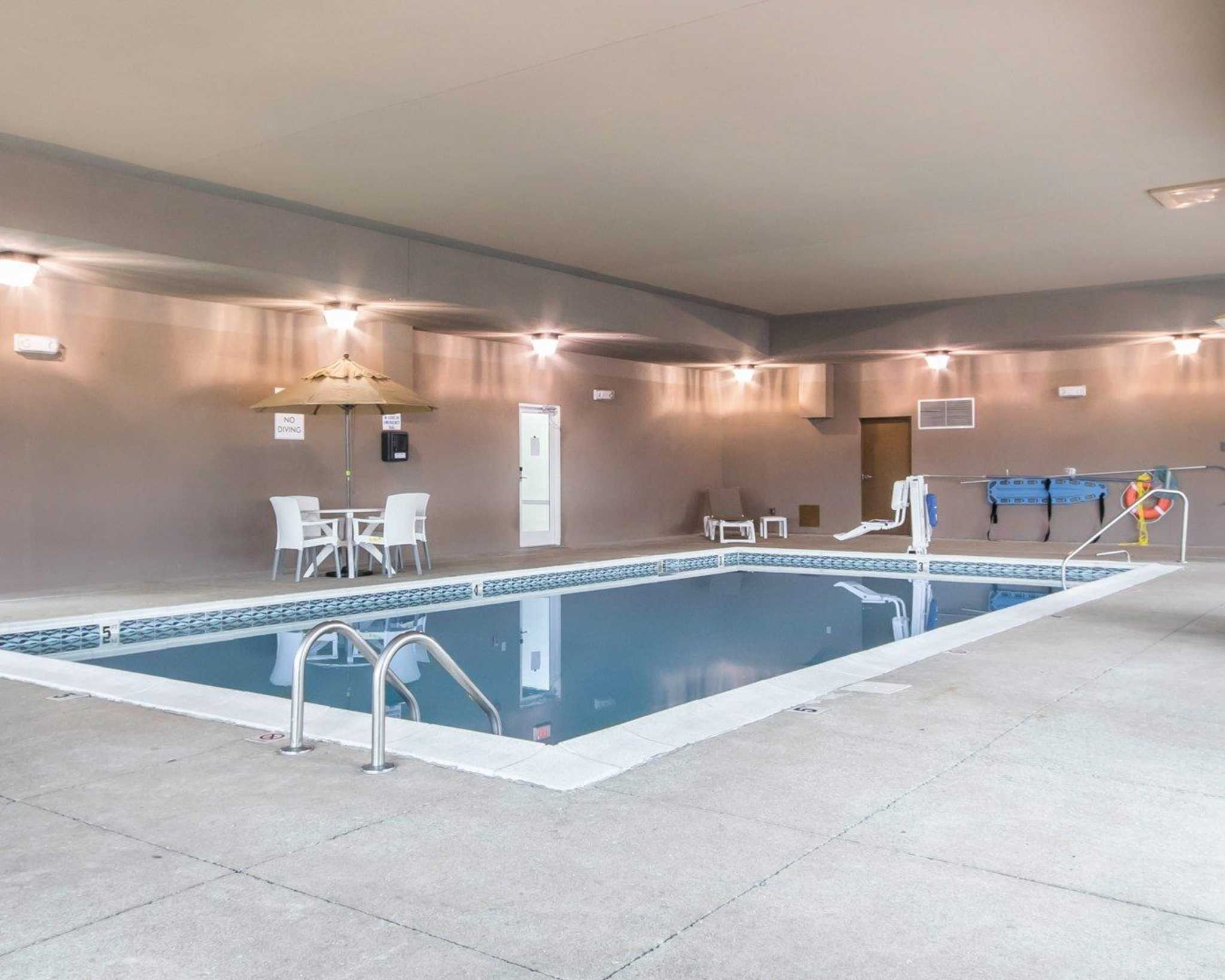 Comfort Inn Amp Suites Airport And Expo Louisville Ky