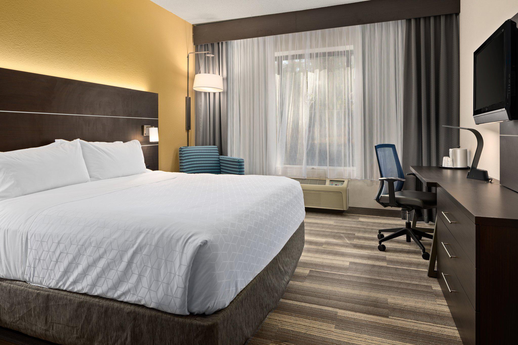 Holiday Inn Express Atlanta-Kennesaw, an IHG Hotel