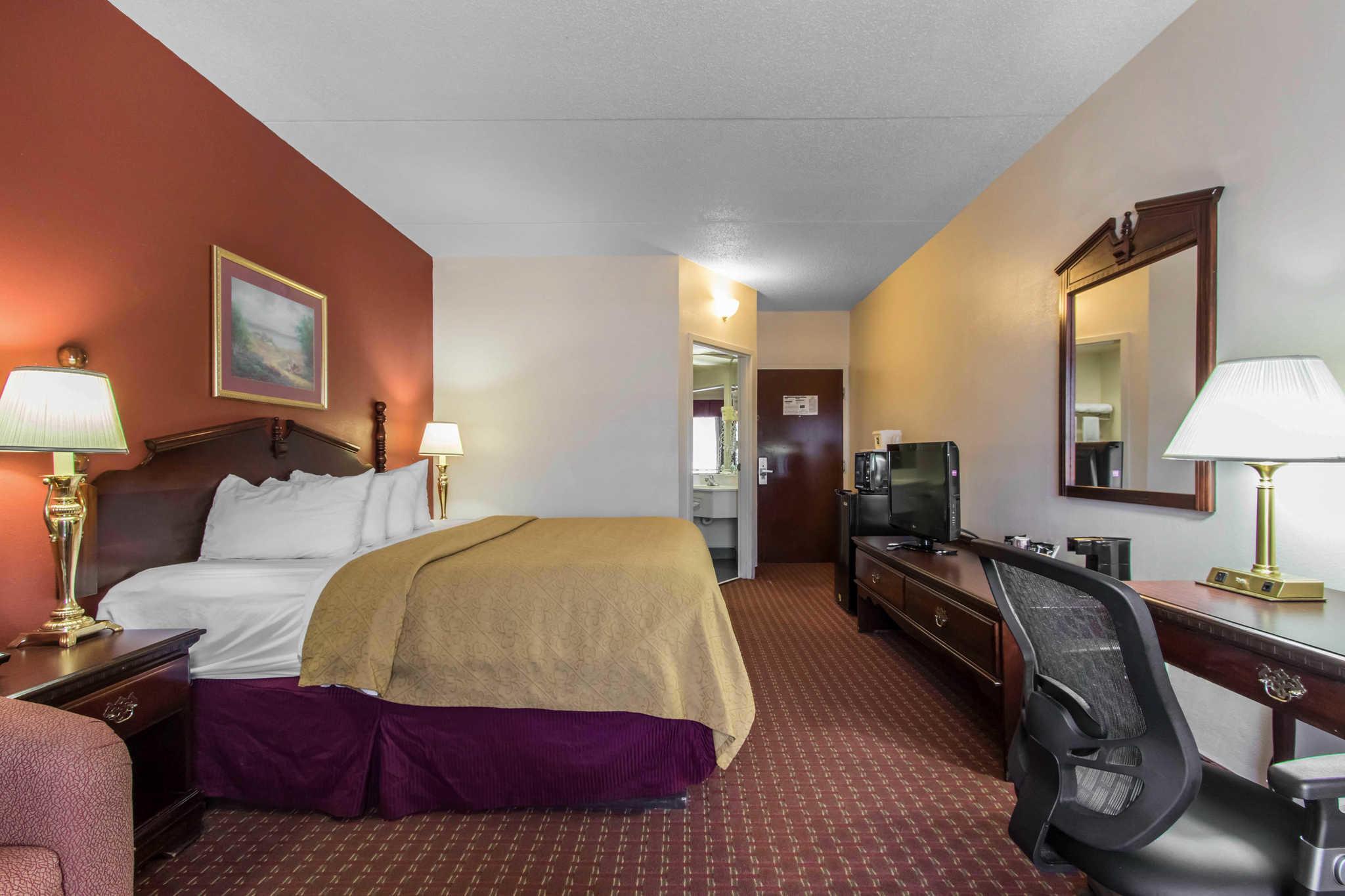 Hotels Near Hixson Tn