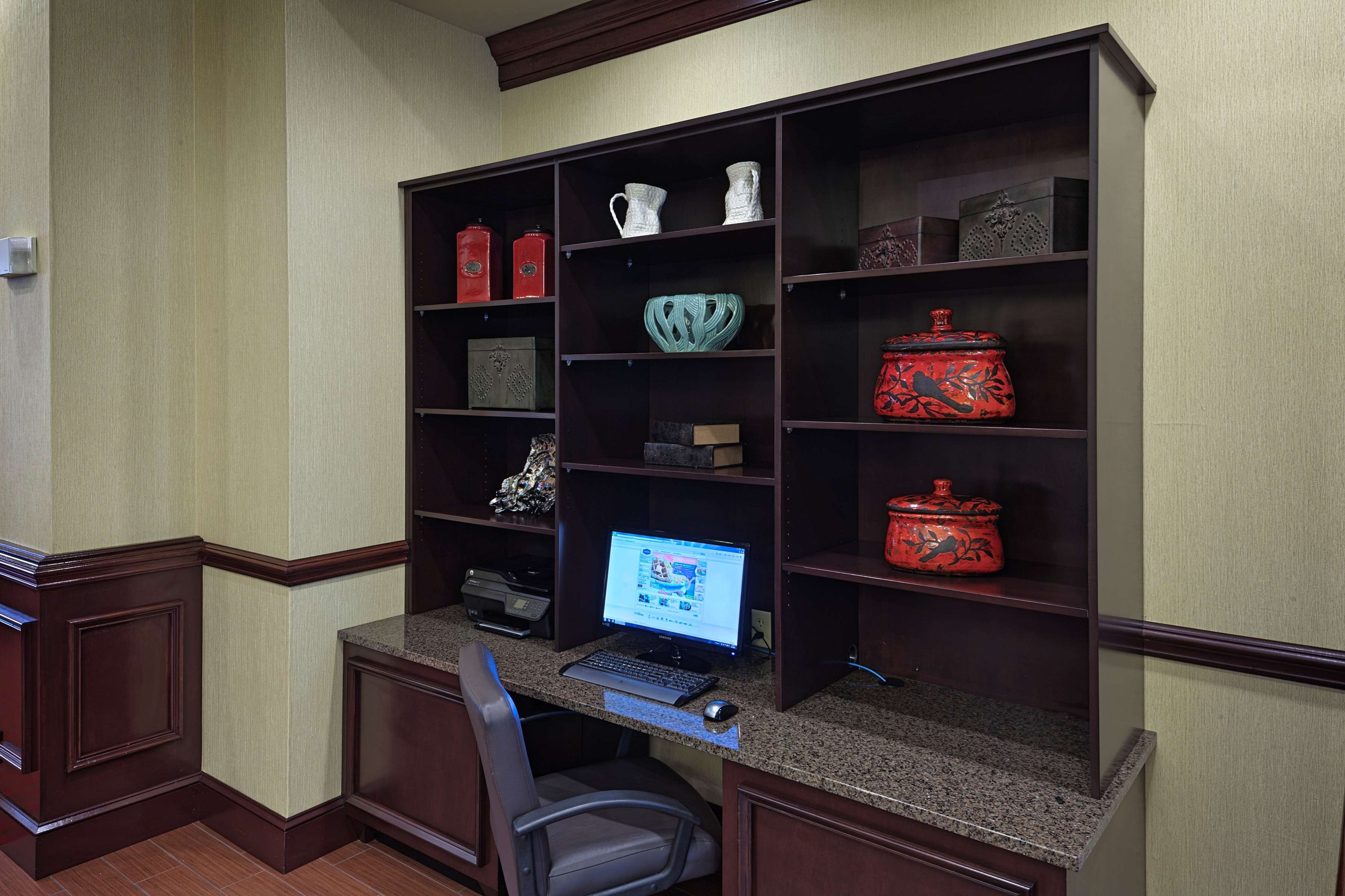 Hampton Inn & Suites Asheville-I-26 image 38