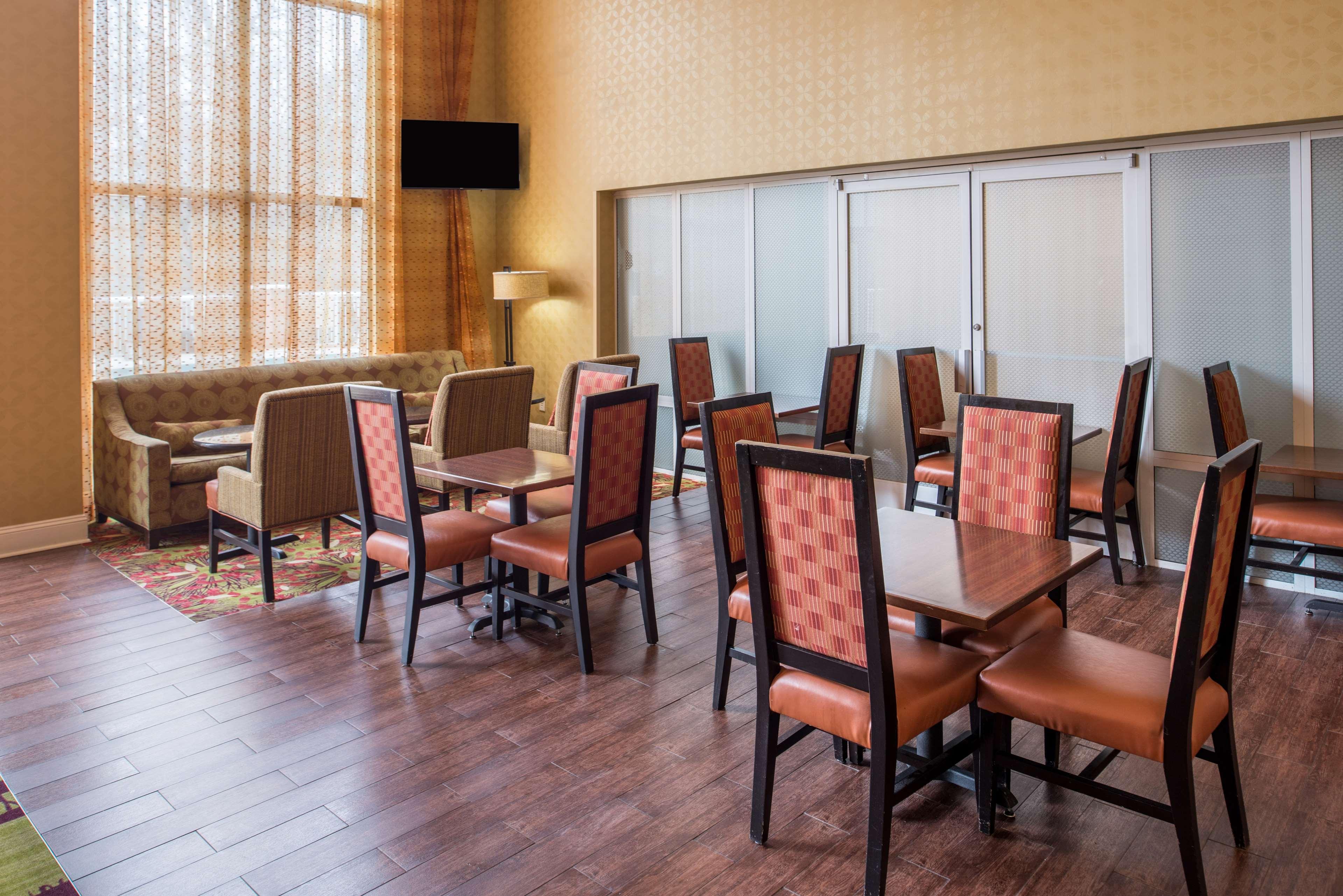 Hampton Inn & Suites Charlotte-Arrowood Rd. image 4