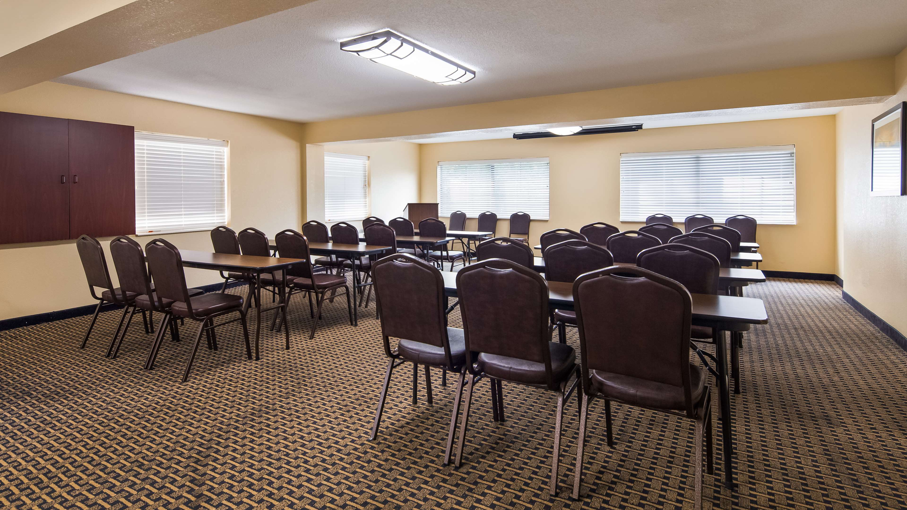 Best Western Executive Suites - Columbus East image 10