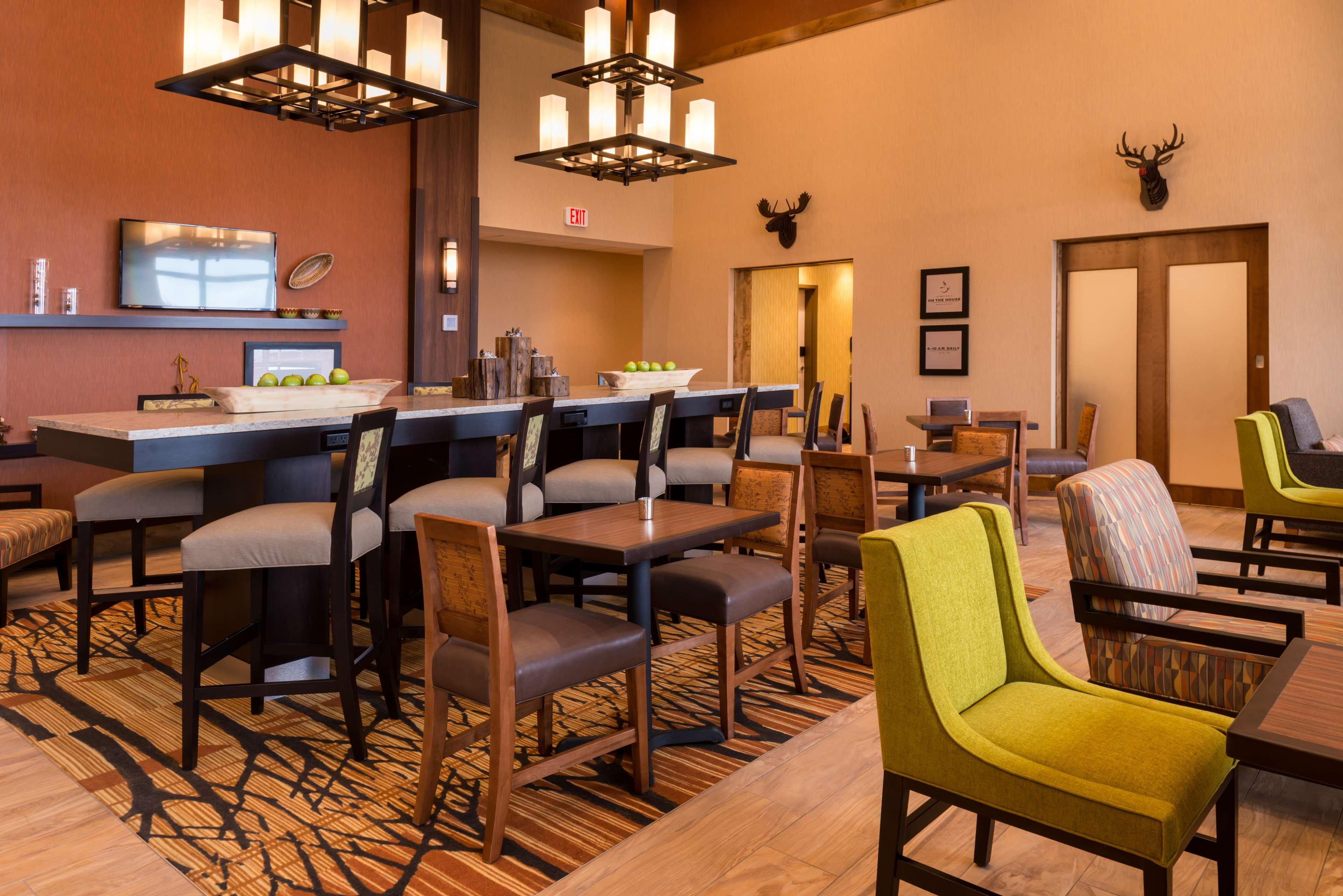 Hampton Inn & Suites Silverthorne image 11