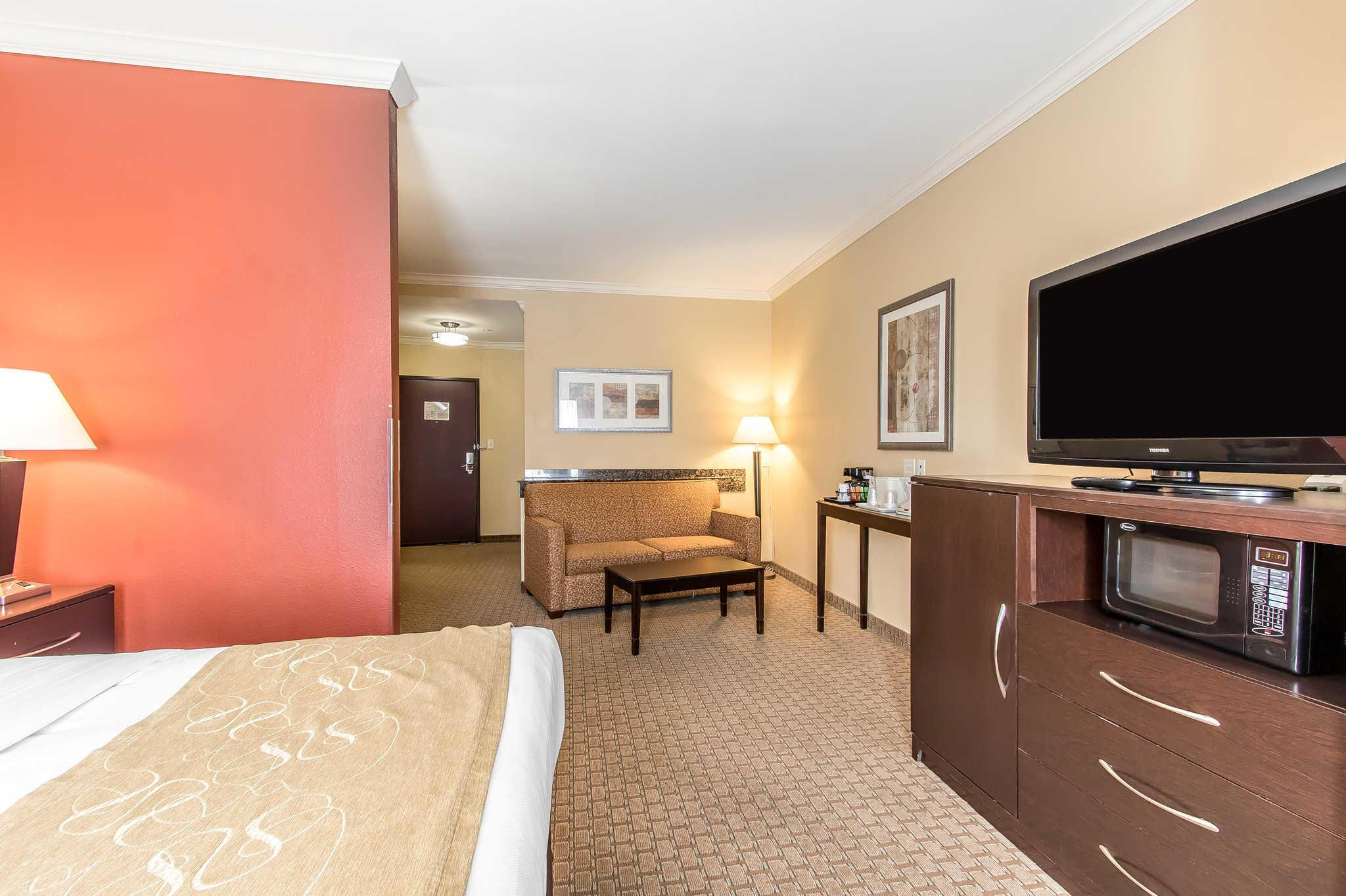Comfort Suites image 12