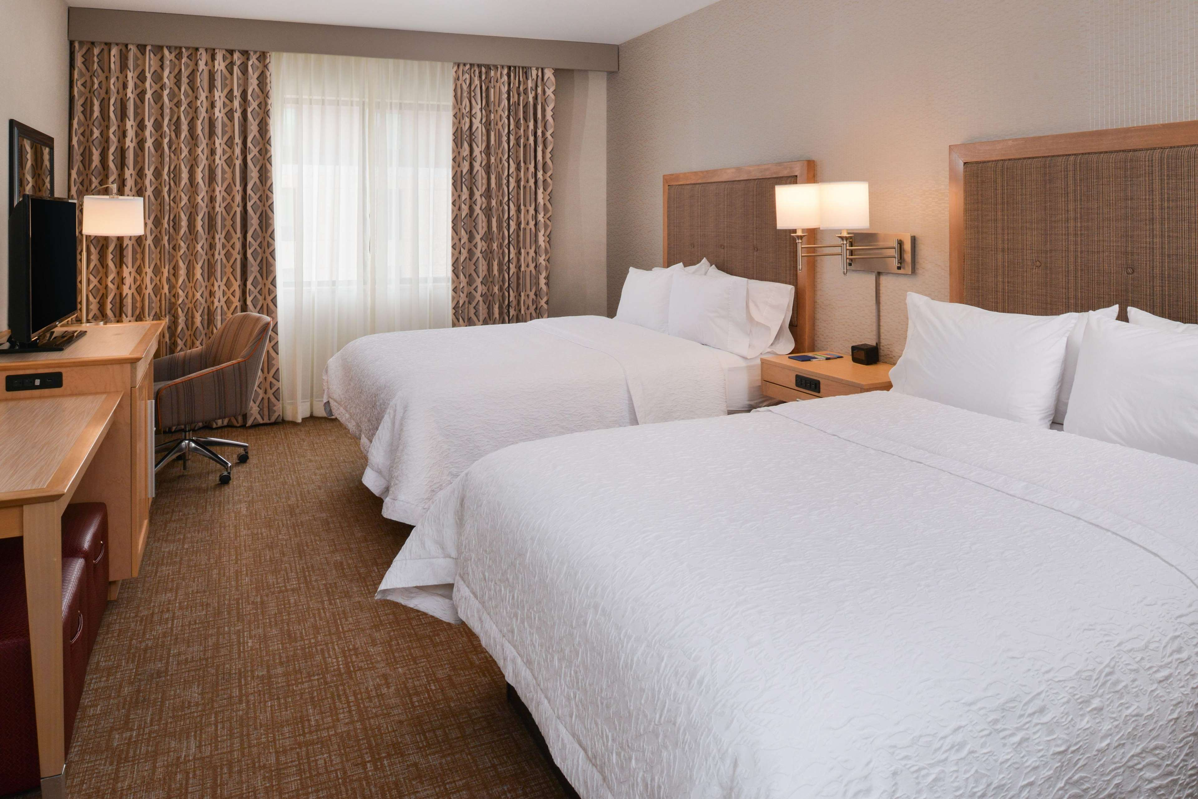 Hampton Inn & Suites Denver-Speer Boulevard image 47
