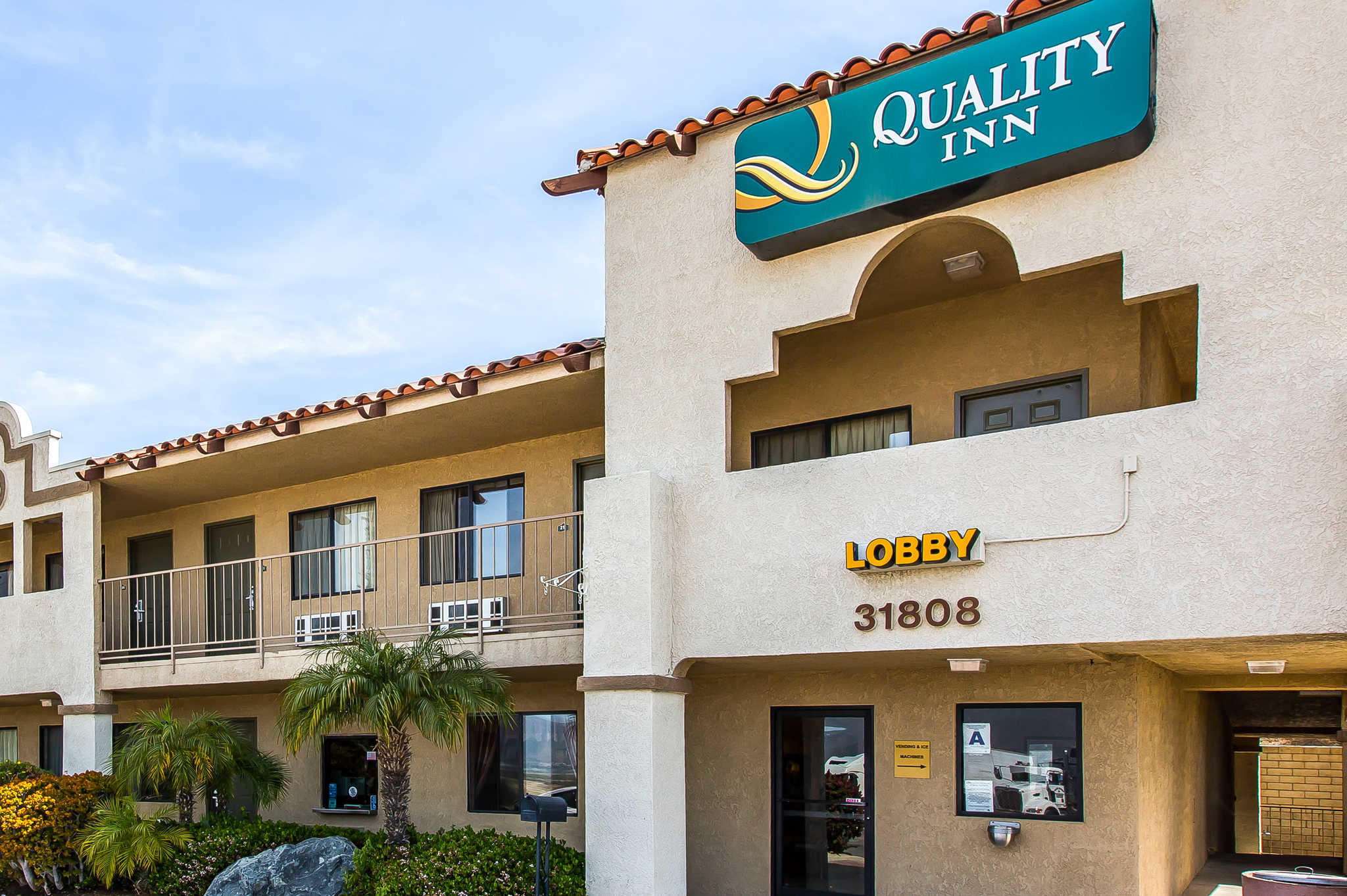 Quality Inn Lake Elsinore I-15 image 3