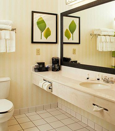 Fairfield Inn & Suites by Marriott Hartford Manchester image 4
