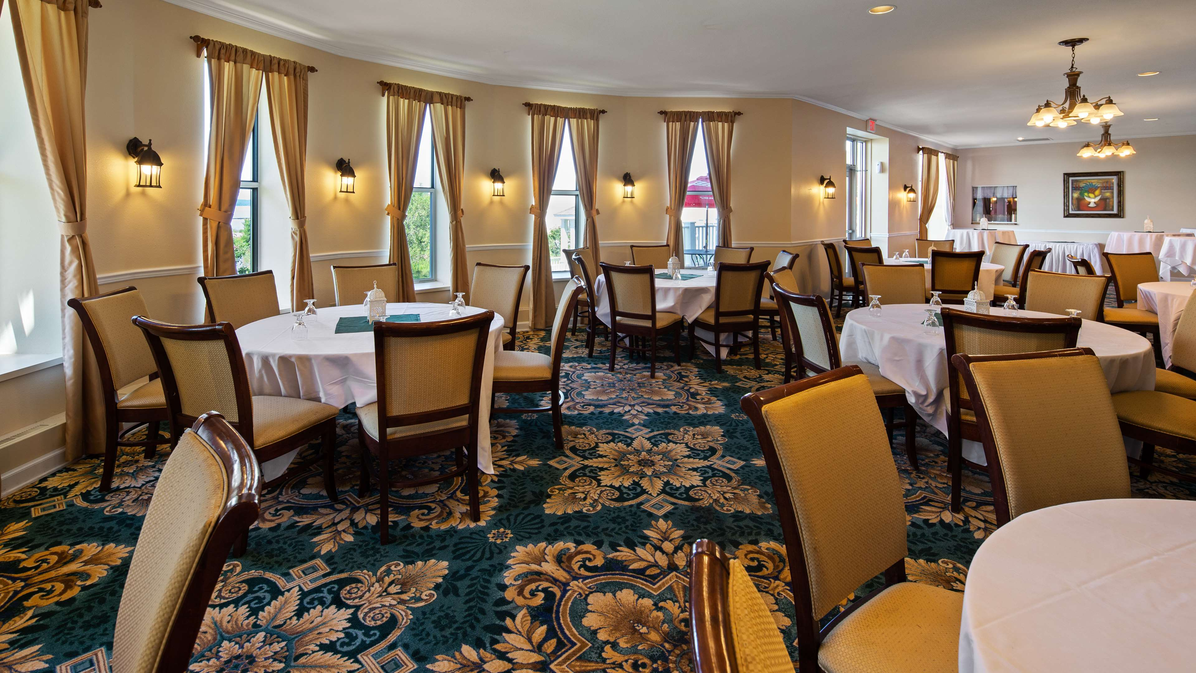 Best Western The Hotel Chequamegon image 45
