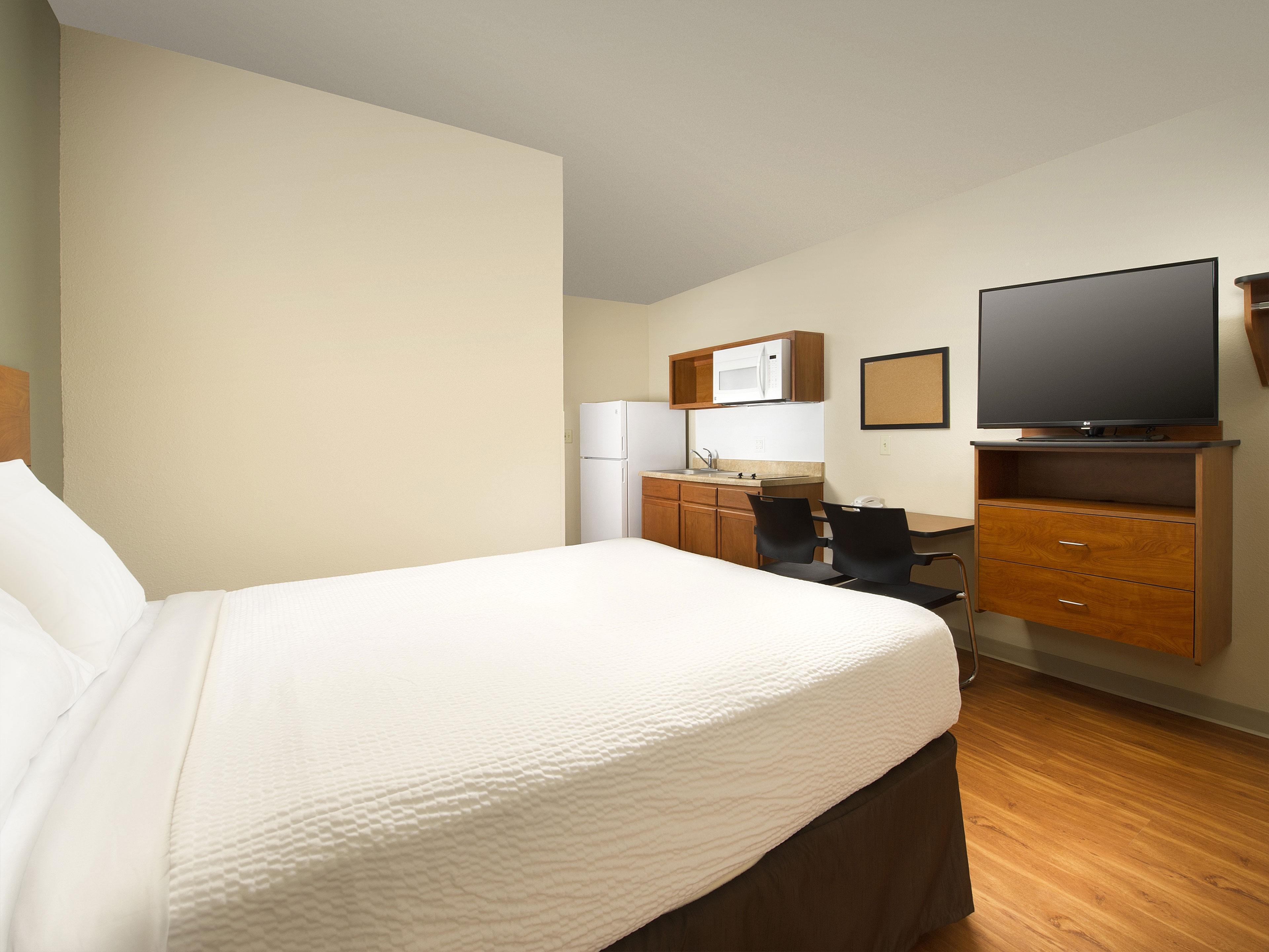 WoodSpring Suites Texas City image 13