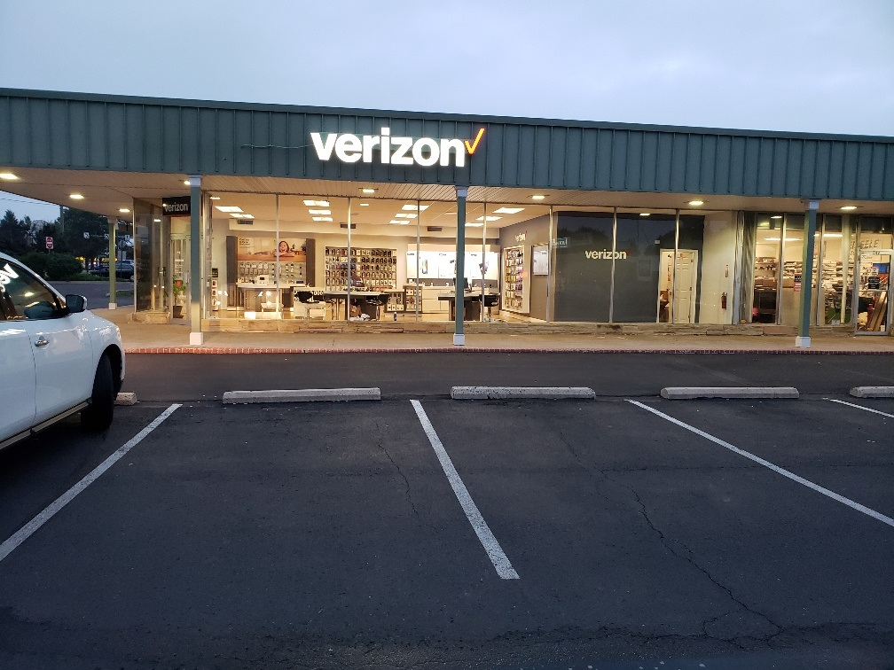 Verizon Authorized Retailer - Wireless Zone image 2