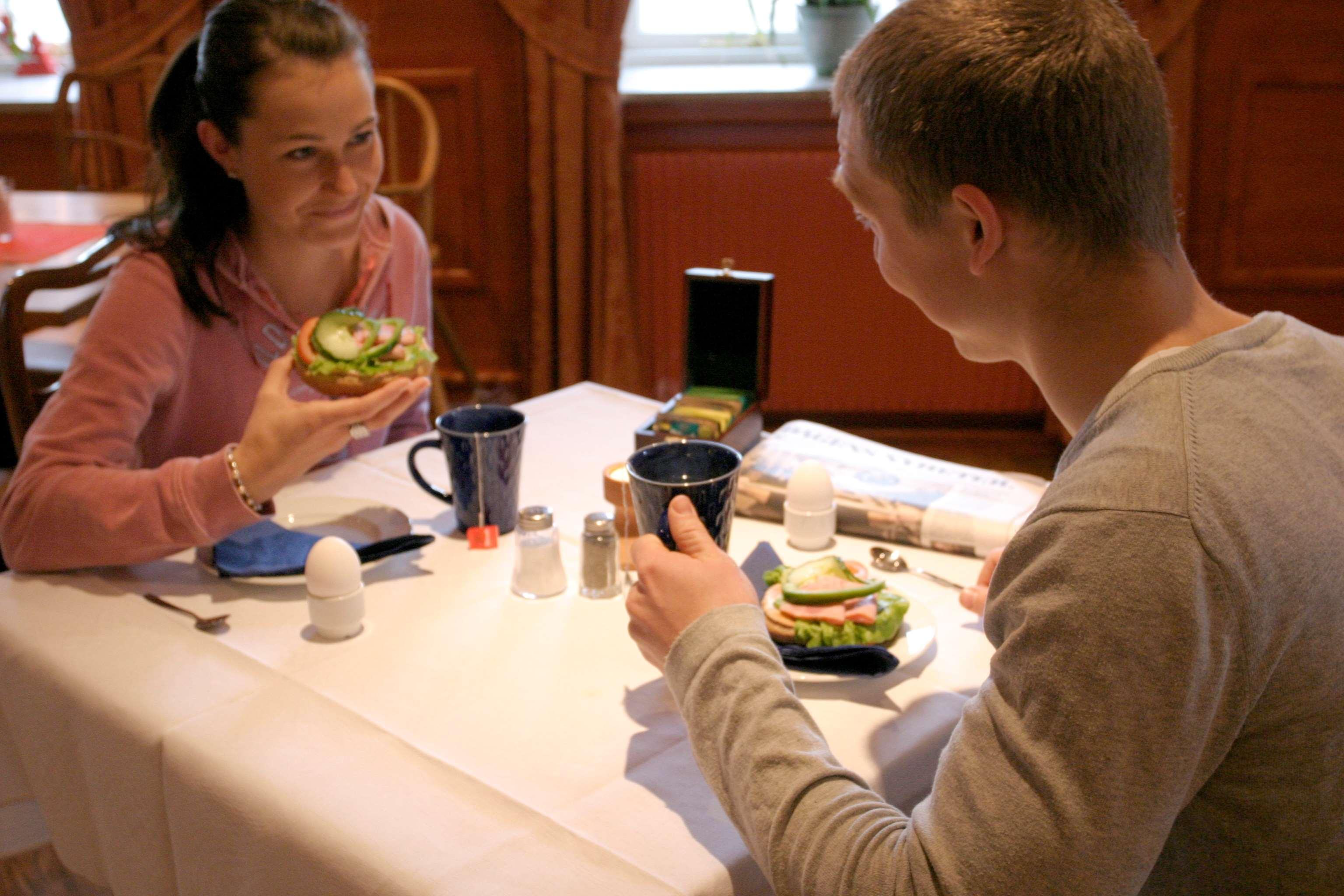 FrBreakfast in restaurant