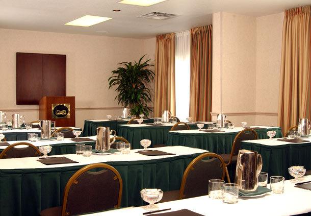 Fairfield Inn by Marriott Orlando Airport image 11