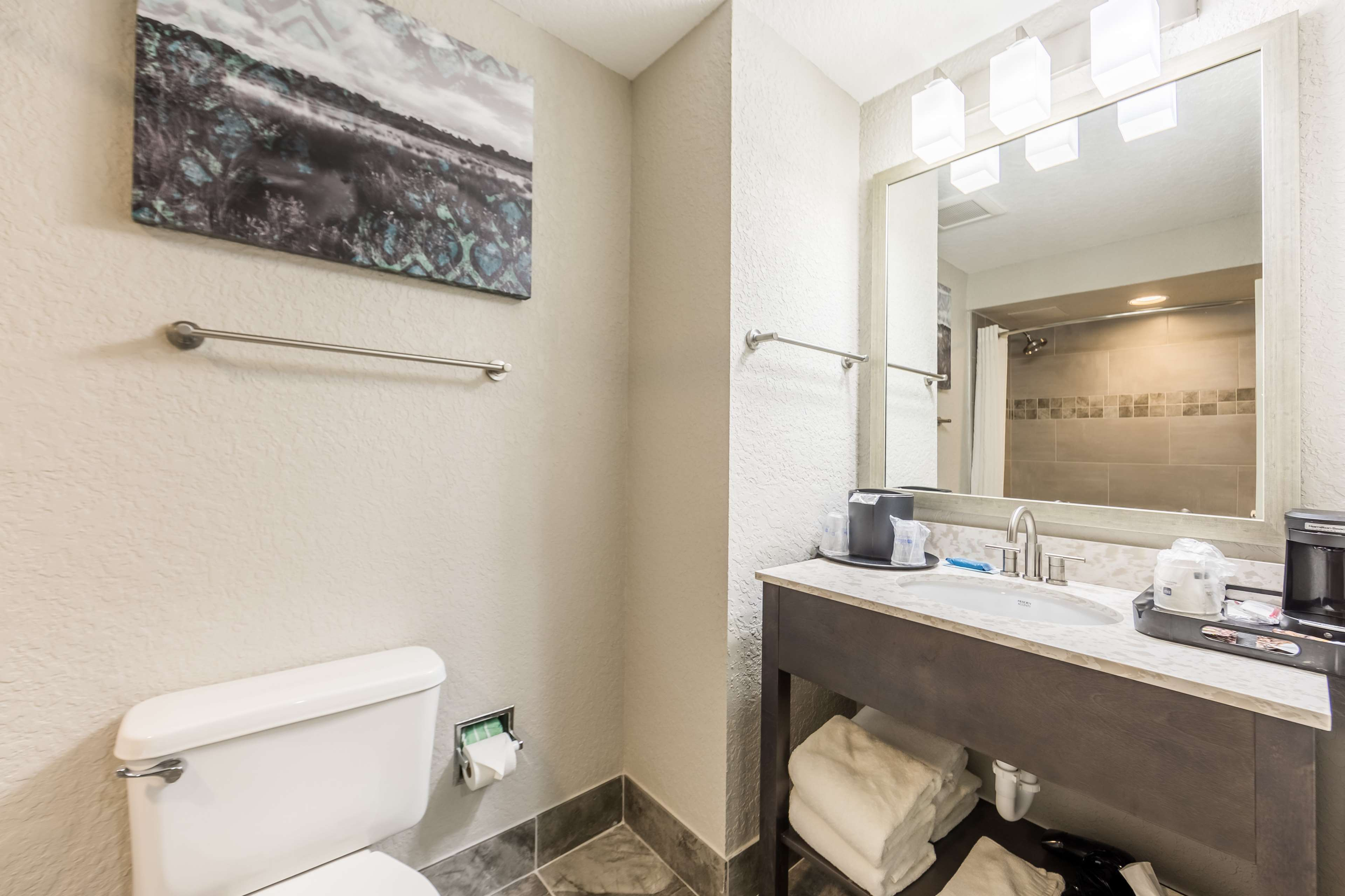 Best Western Plus Sebastian Hotel & Suites image 13