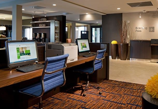 Courtyard by Marriott Miami Lakes image 4