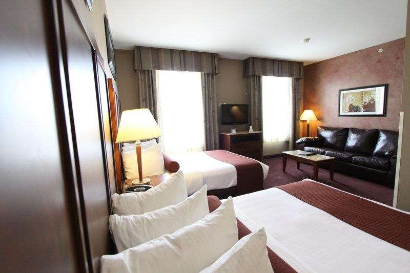 Best Western Plus Hannaford Inn & Suites image 27