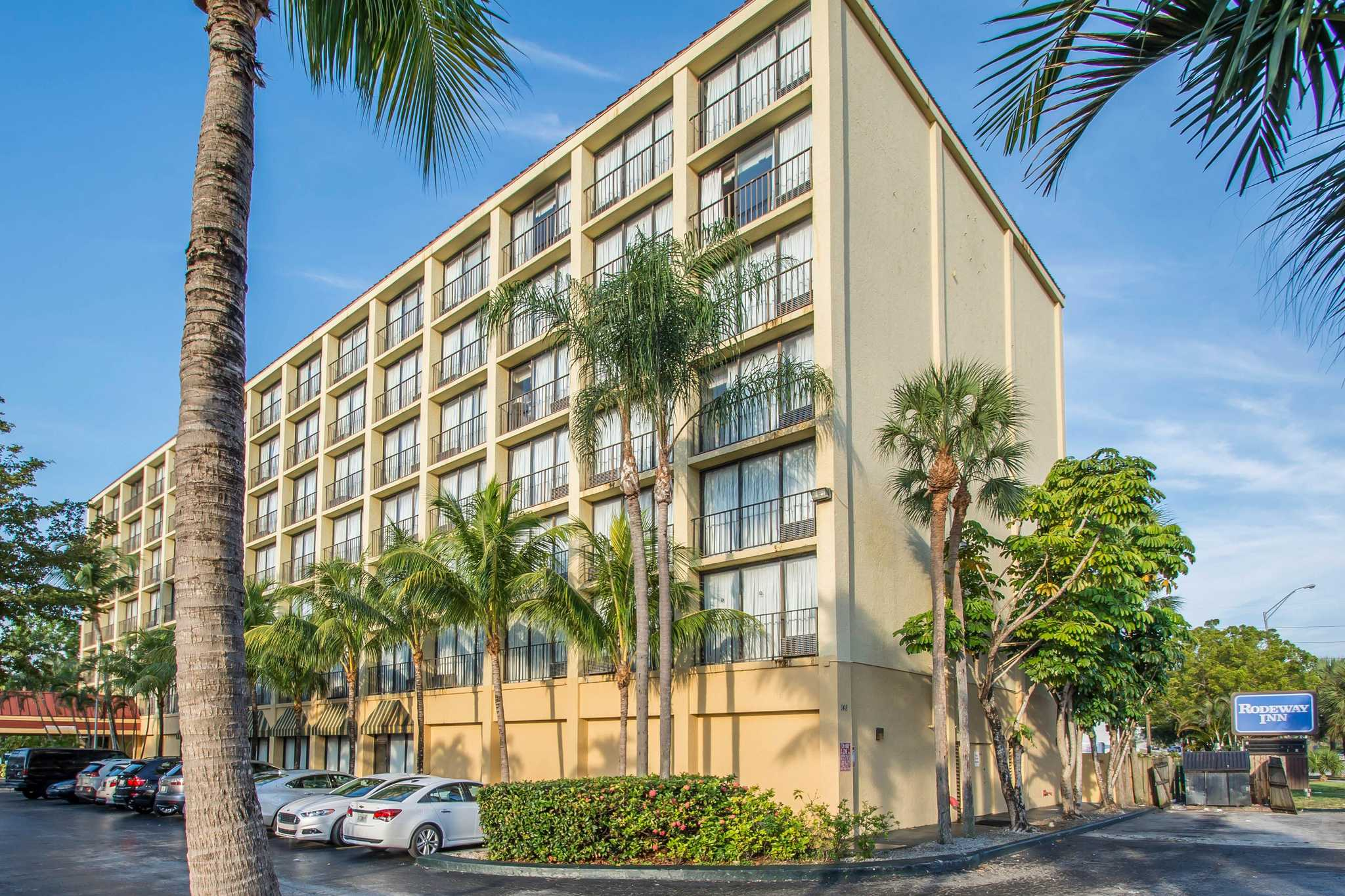 Rodeway Inn Miami image 0