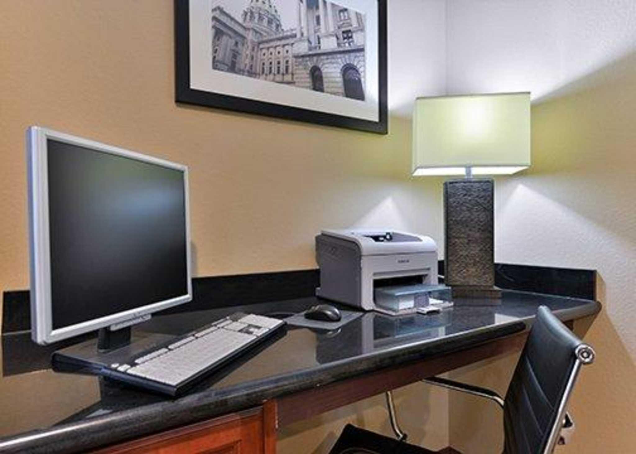 Comfort Inn Amp Suites Manheim Lebanon Manheim Pa