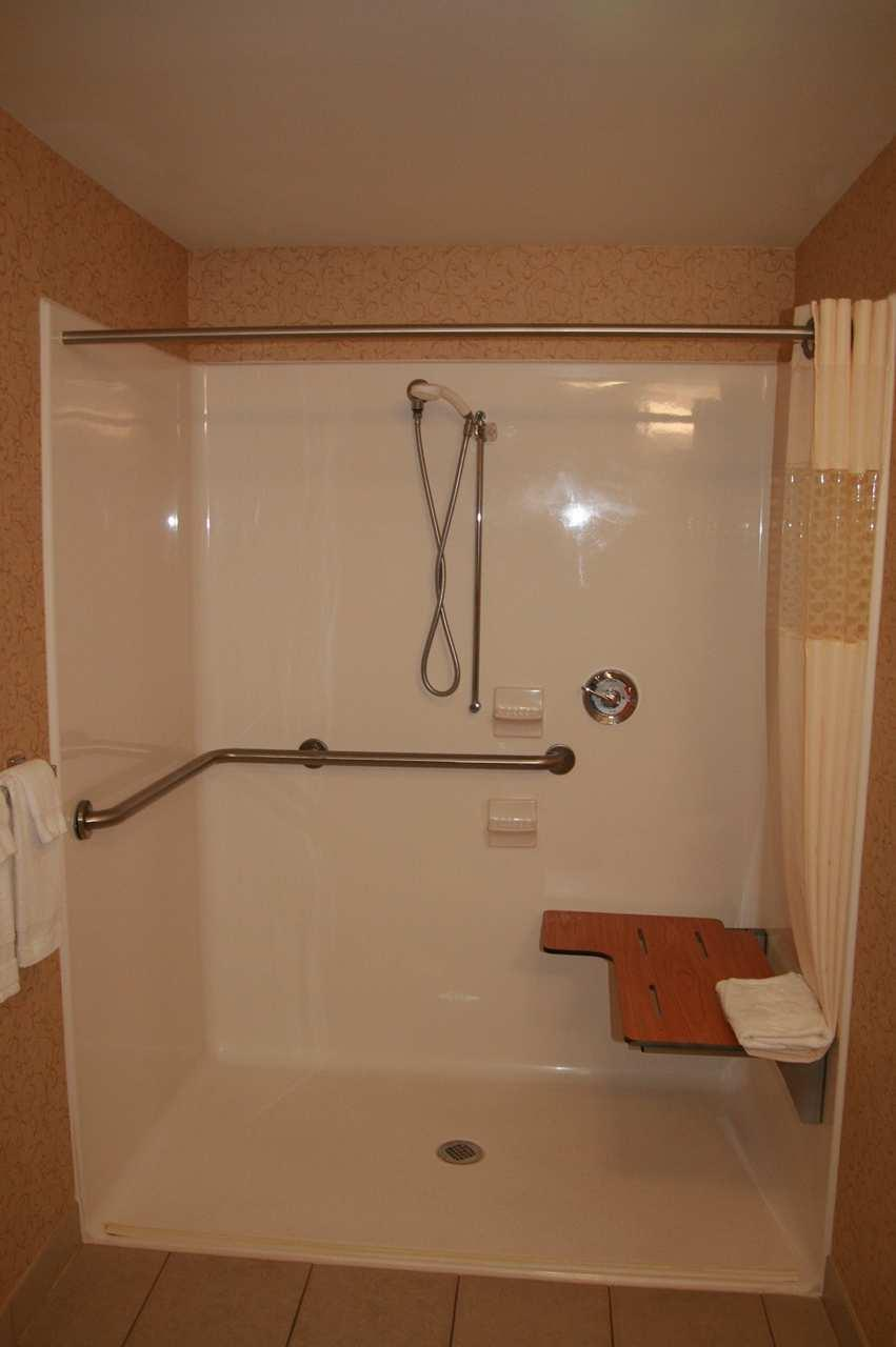 Hampton Inn & Suites Albany-Airport image 15