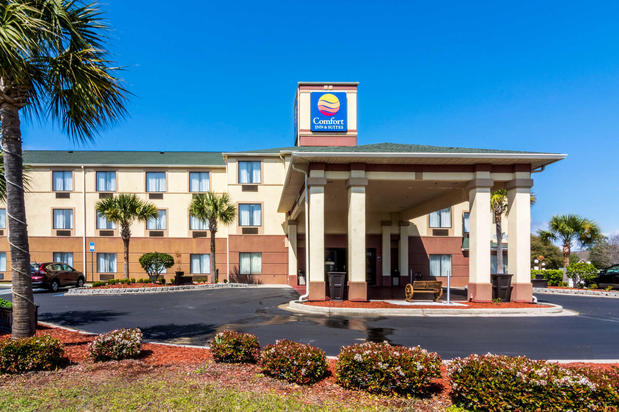 comfort inn suites in panama city fl 32405 citysearch. Black Bedroom Furniture Sets. Home Design Ideas