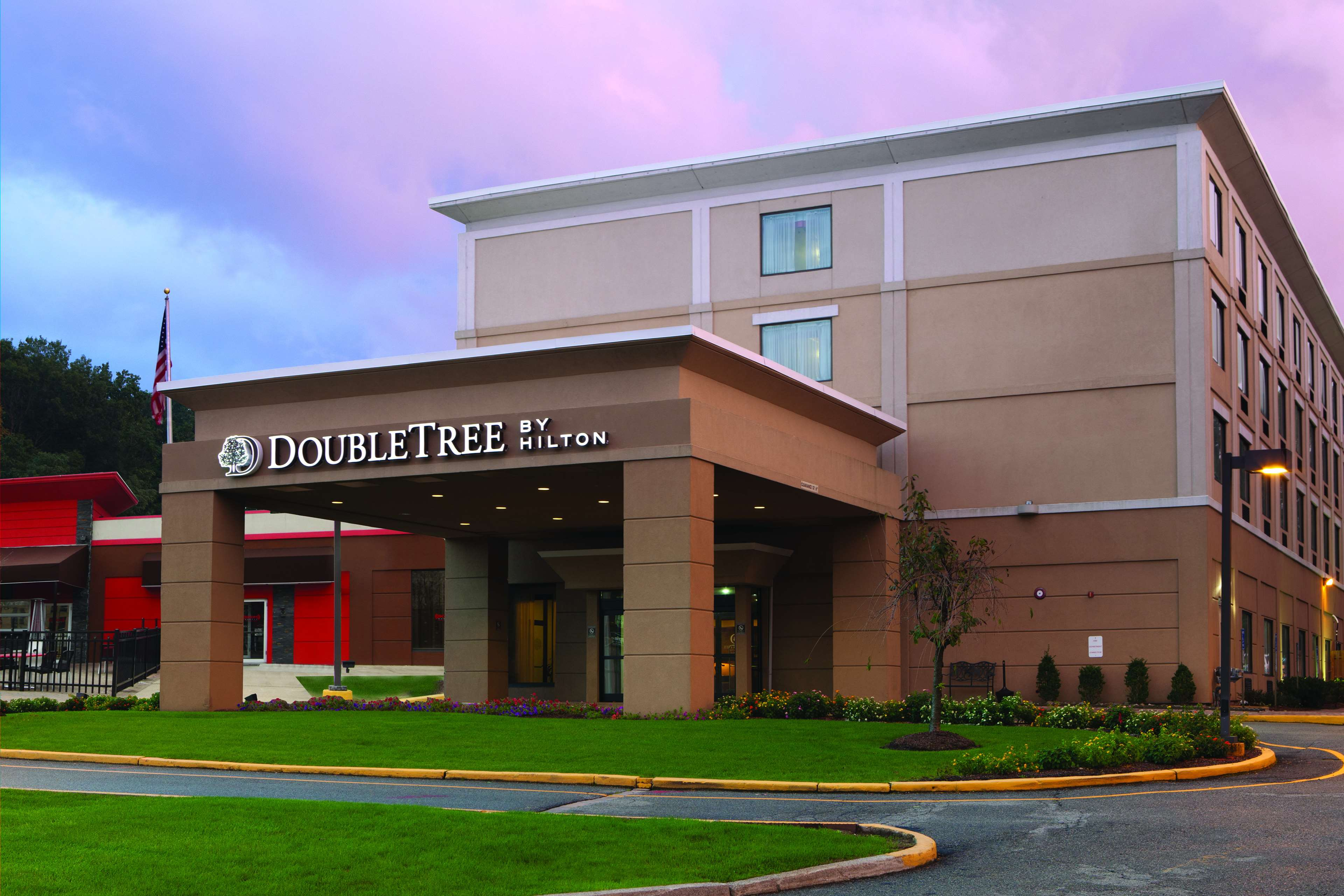 DoubleTree by Hilton Hotel Mahwah image 0