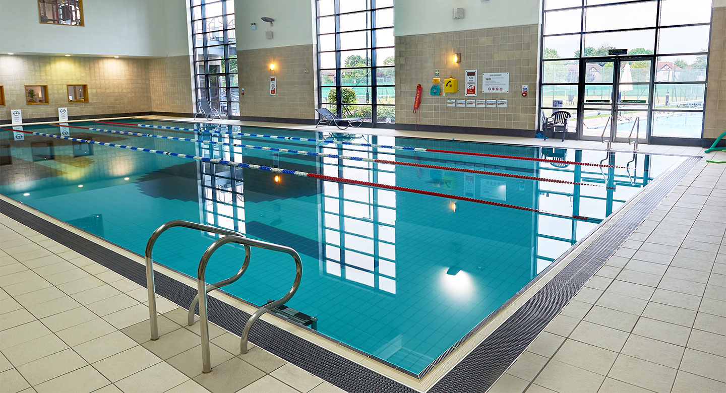 David lloyd gidea park in romford essex rm11 2dy 03451 257008 ibegin for Outdoor swimming pool leicester