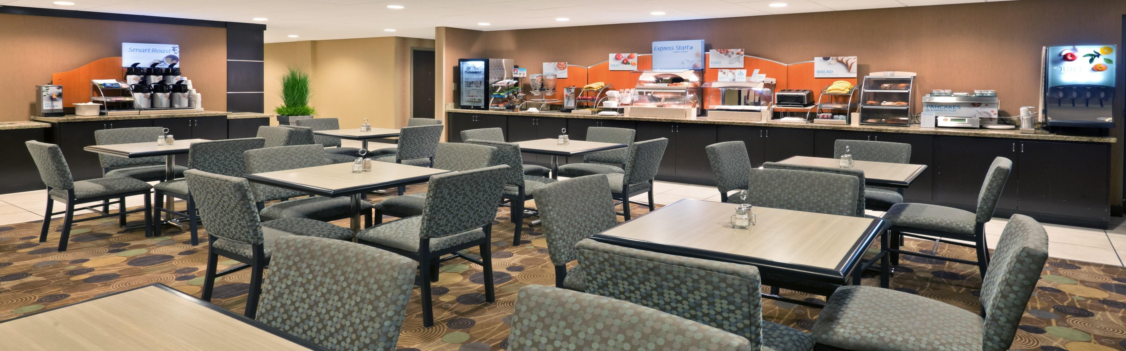 Holiday Inn Express & Suites Colby image 3