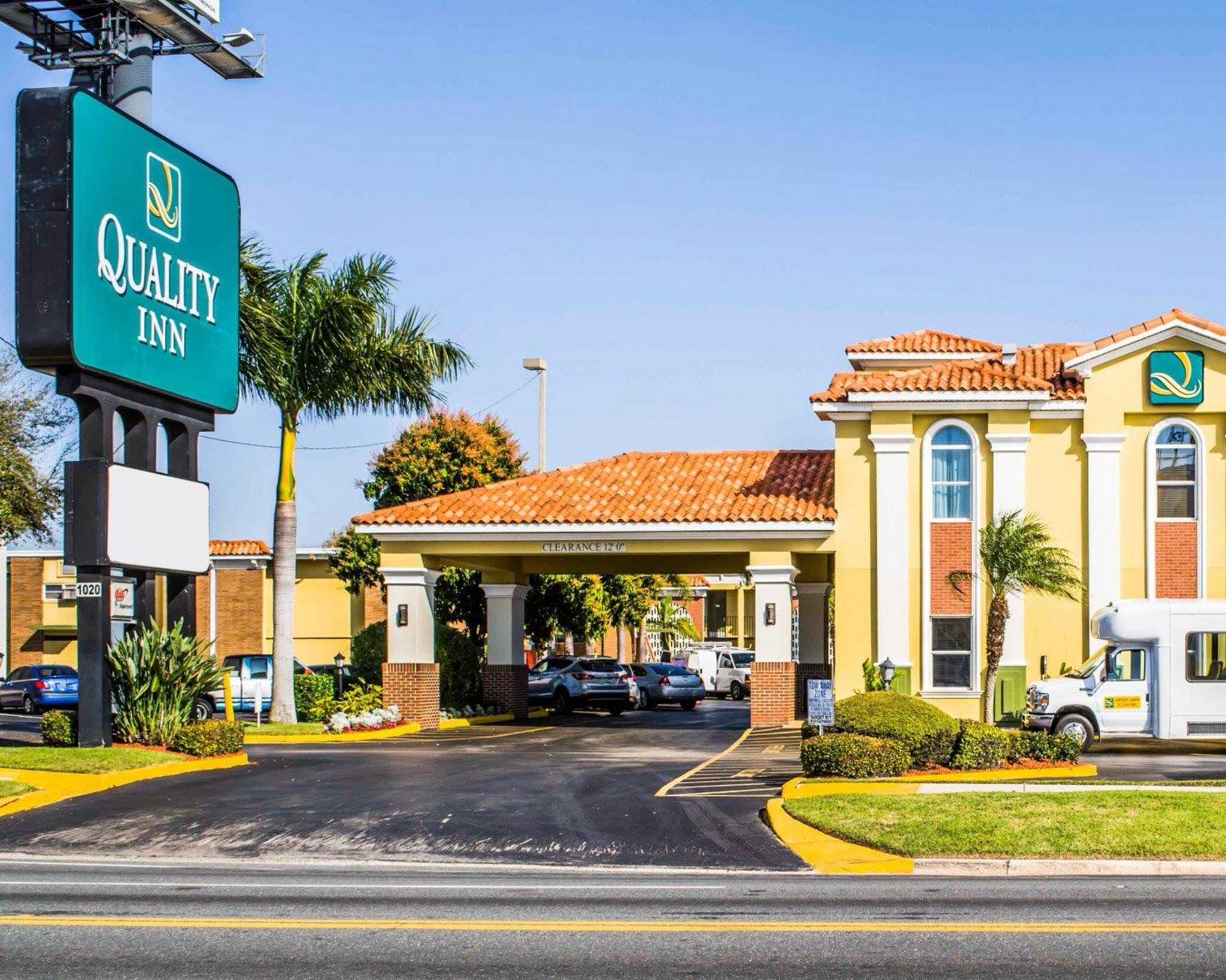 Quality Inn Airport - Cruise Port image 1
