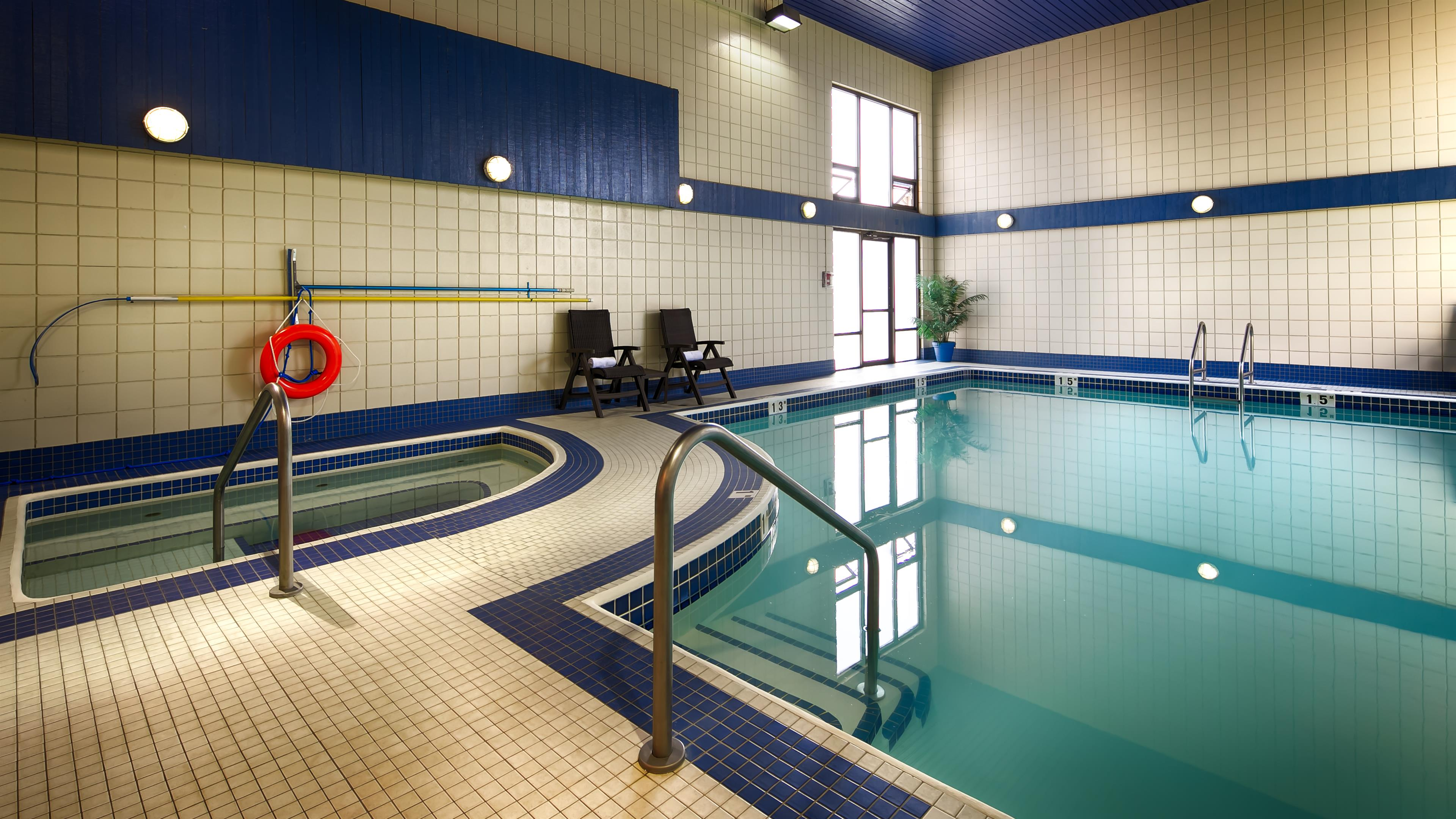 Best Western Plus Regency Inn & Conference Centre in Abbotsford: Indoor Pool
