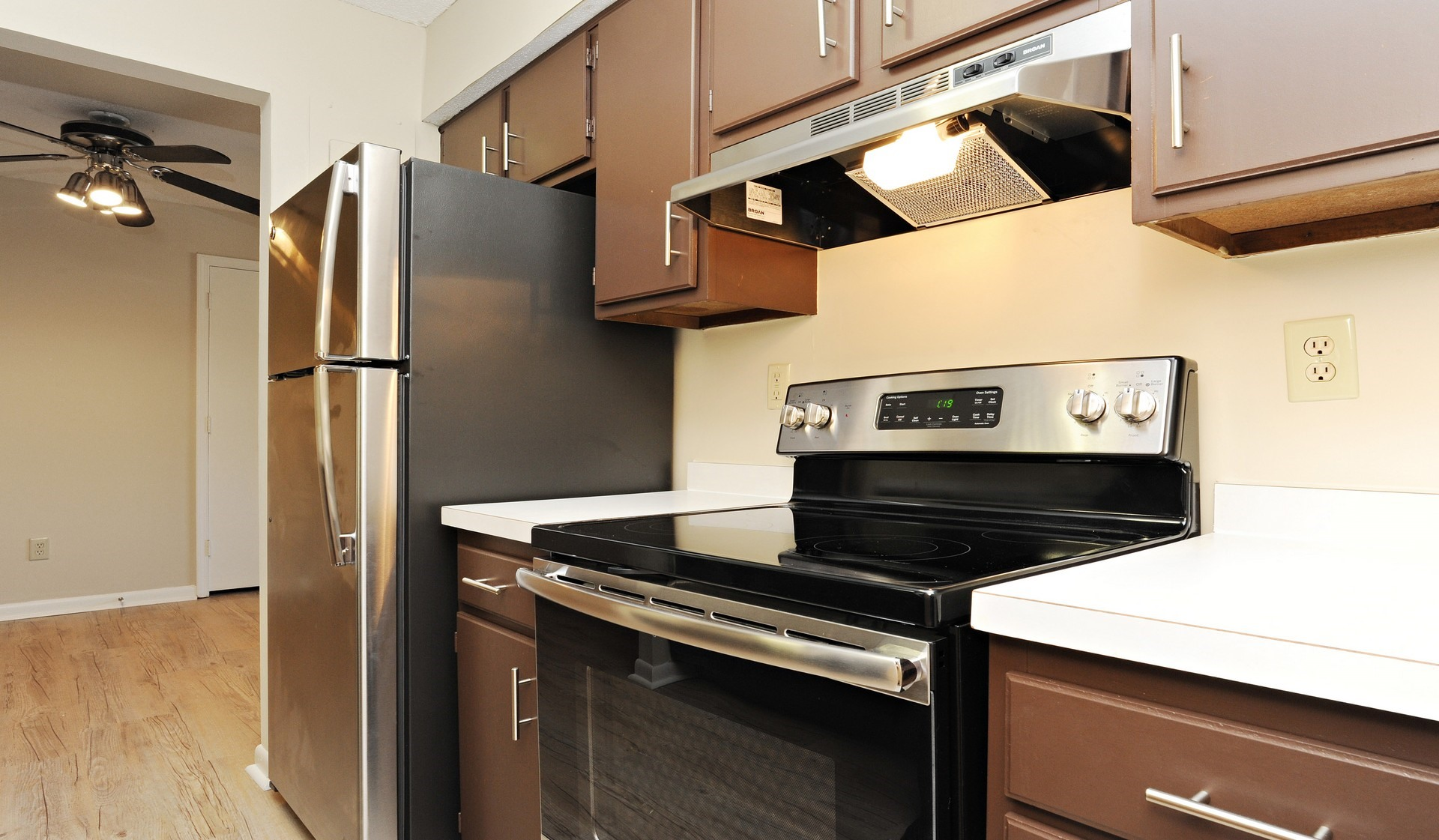 Waterford Village Apartments in Bridgewater, MA - (508) 659-4...