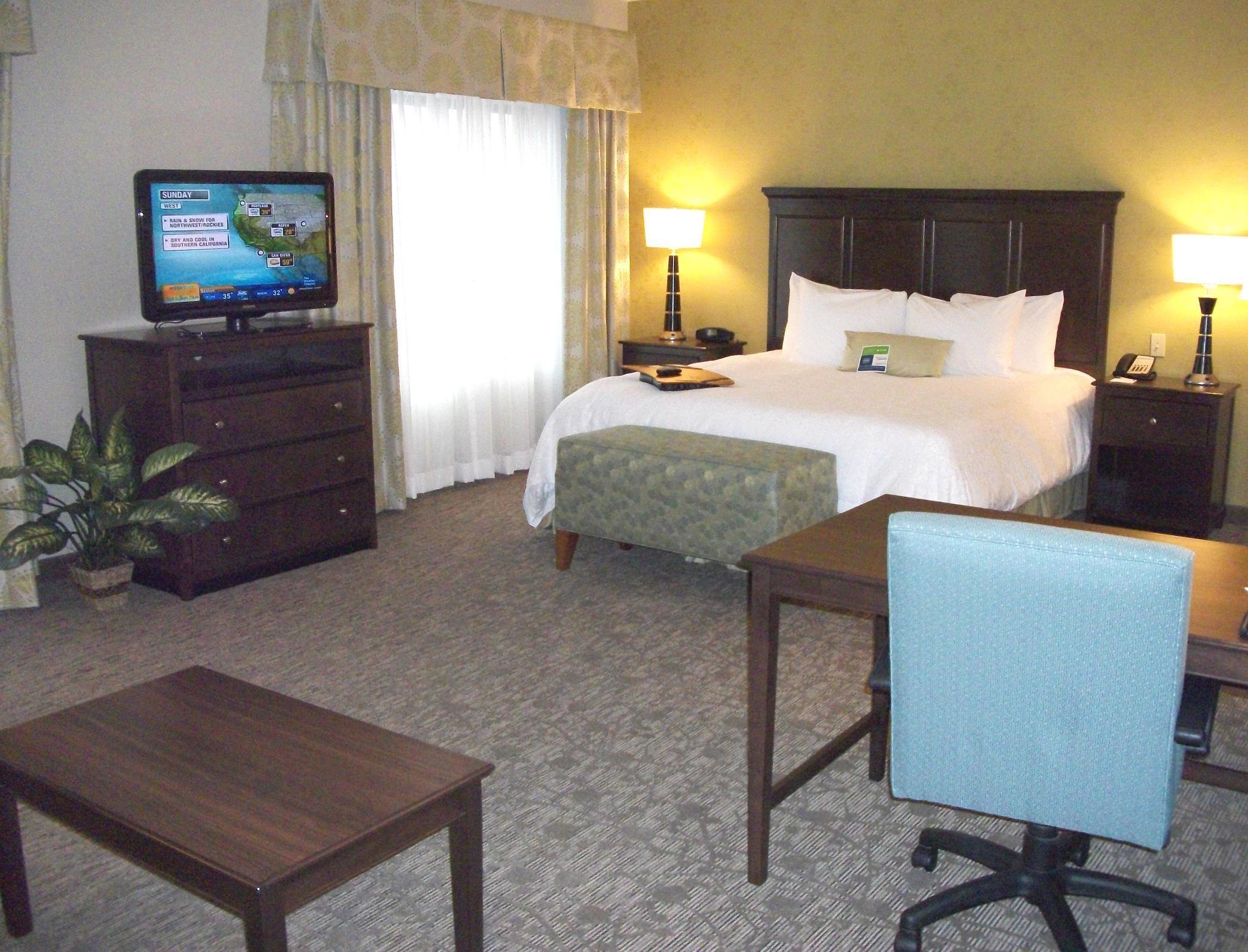Hampton Inn & Suites Manteca image 19