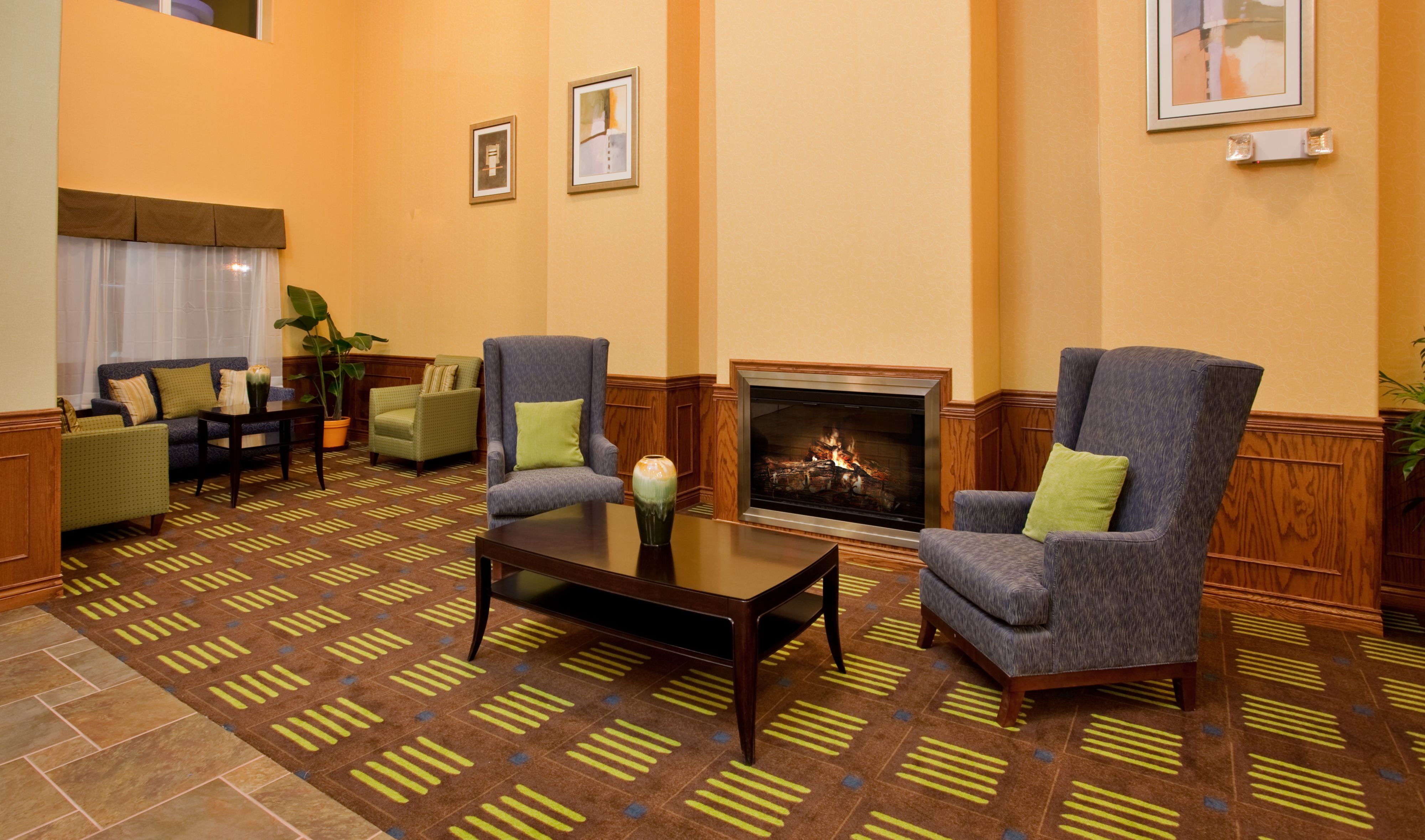 Holiday Inn Express & Suites Kansas City Sport Complex Area image 6