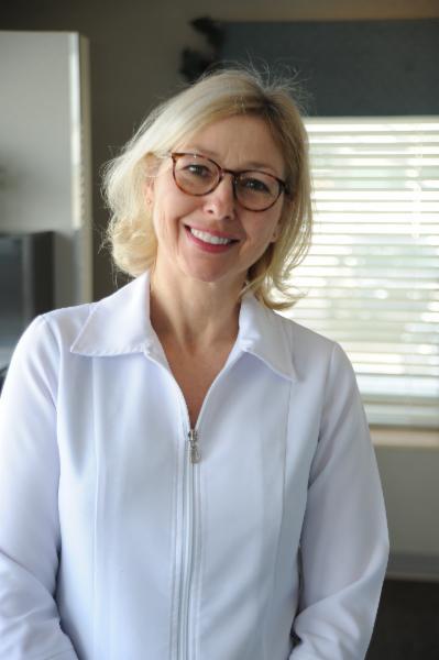 Clinique Dentaire Elysée à Chicoutimi: Dre Claire Lampron