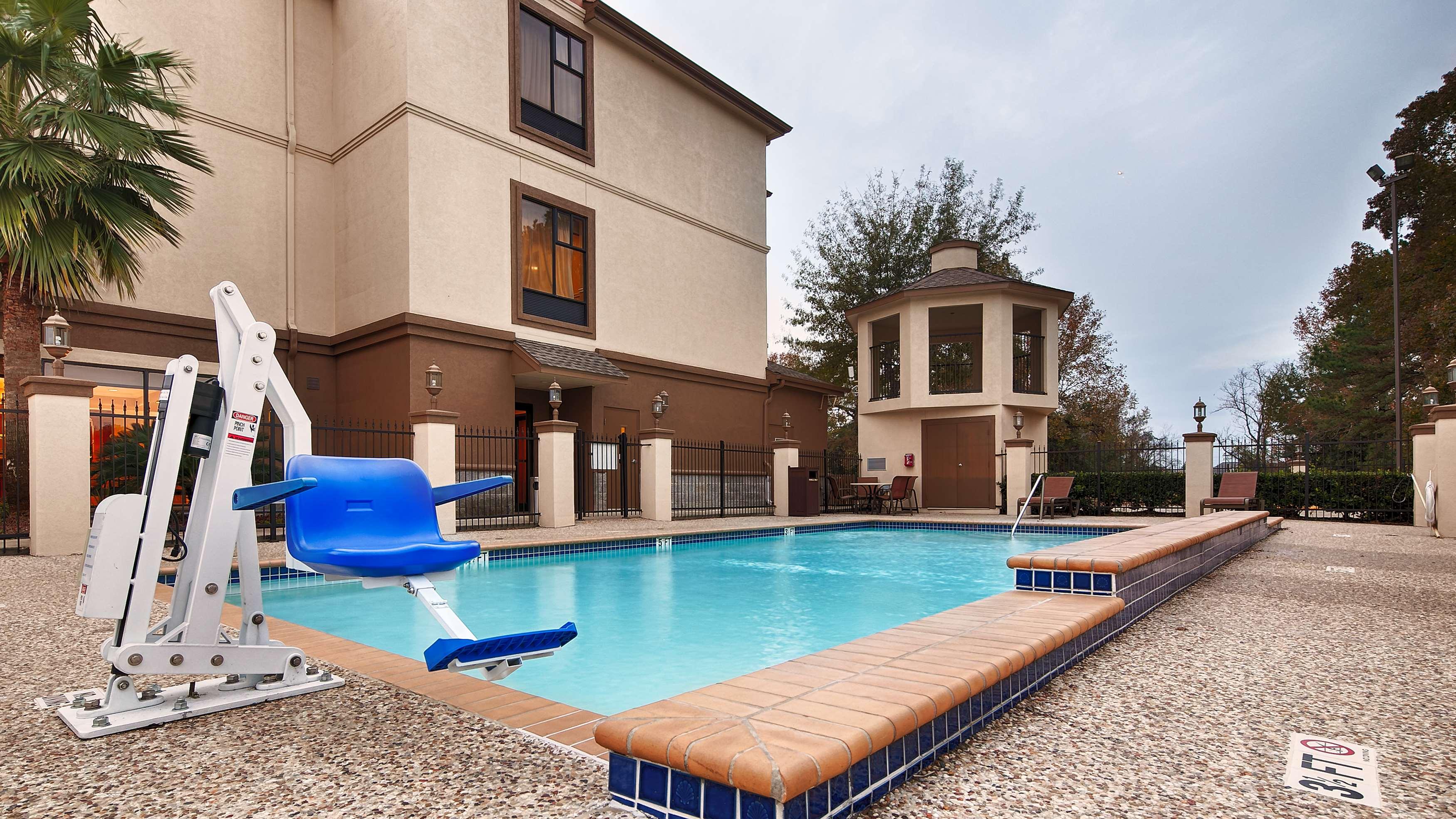 Best Western Plus North Houston Inn & Suites image 39