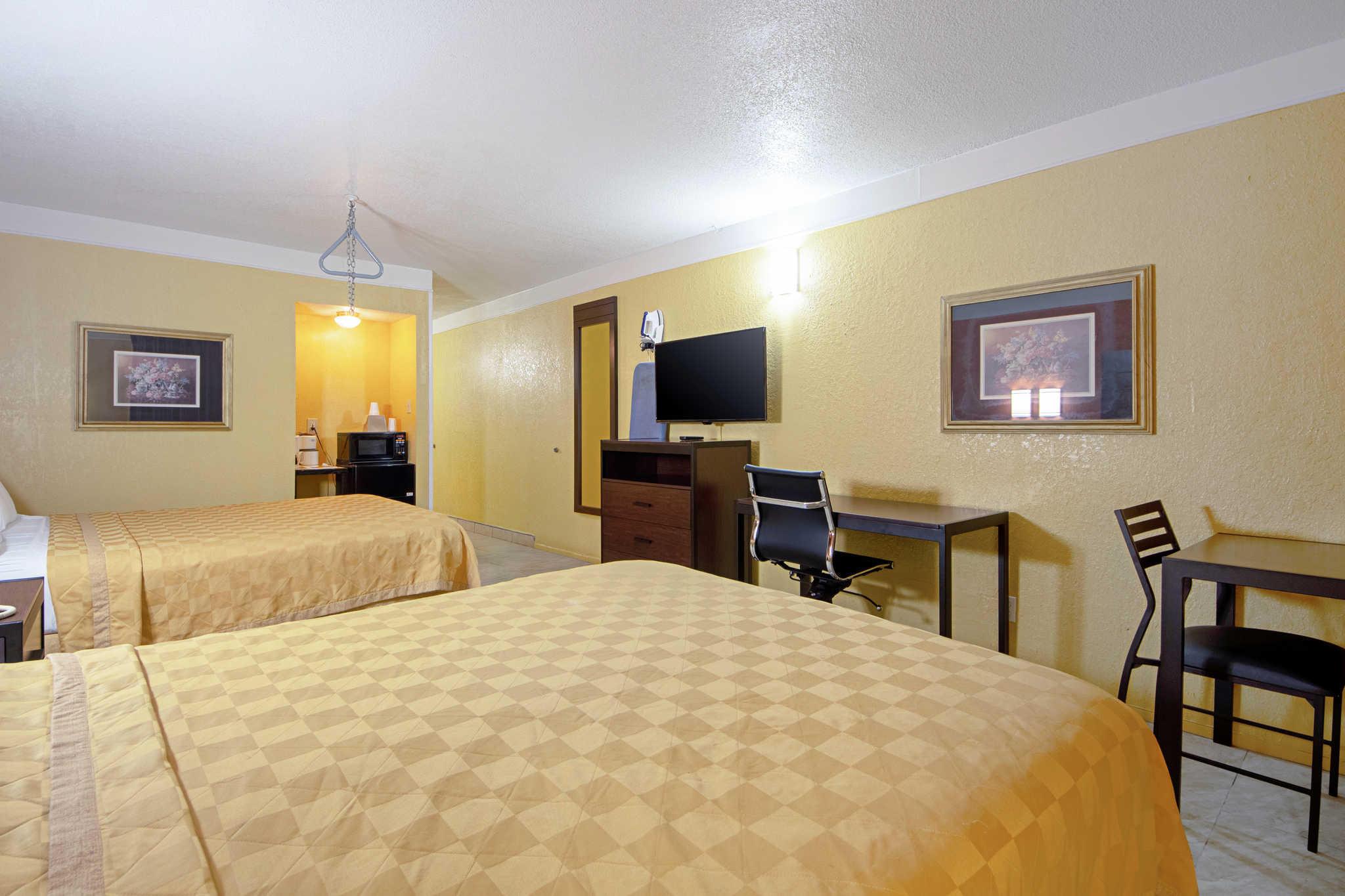 Rodeway Inn & Suites image 10