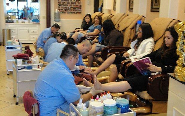 Hollywood Nails & Spa image 6