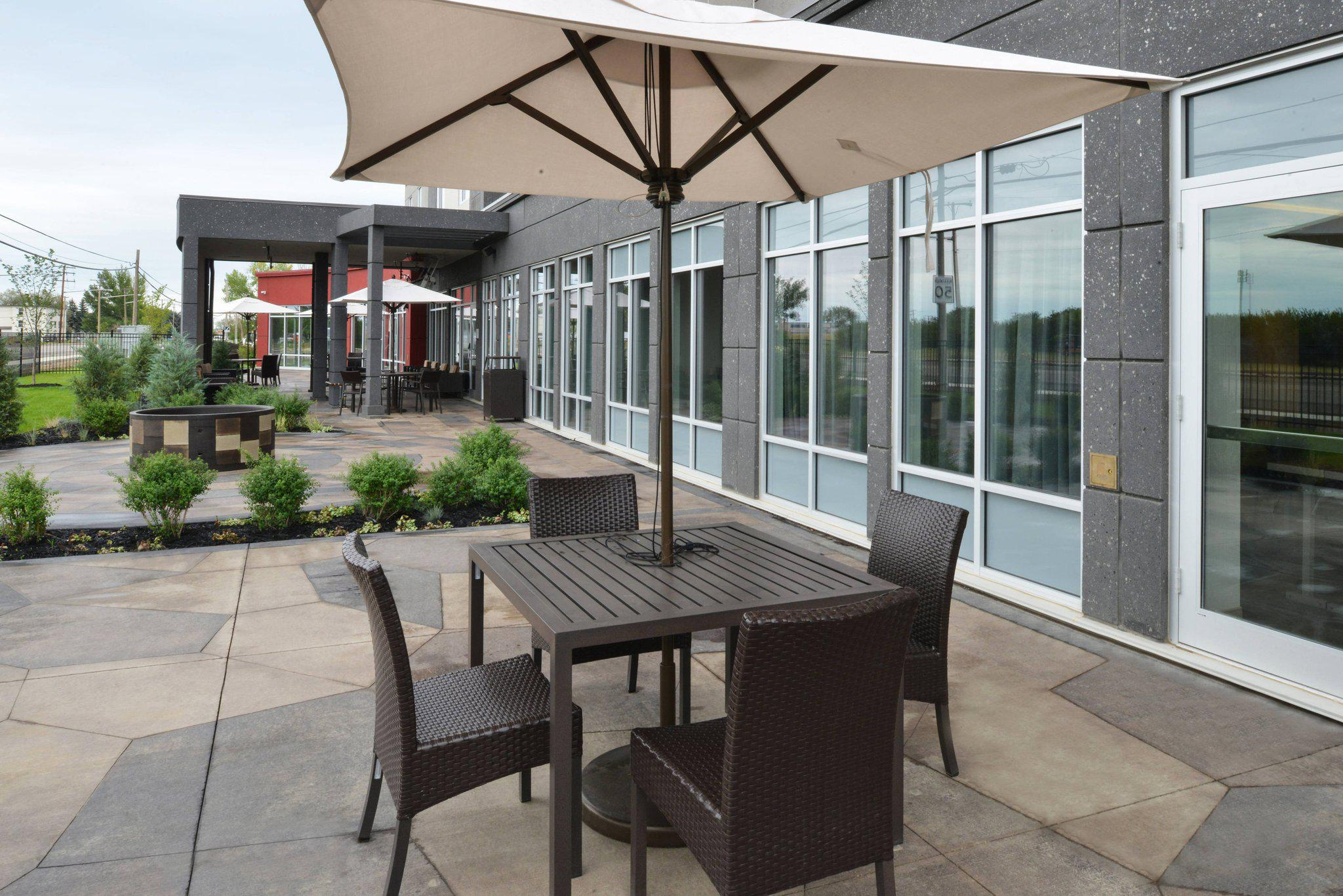 Courtyard by Marriott Saskatoon Airport