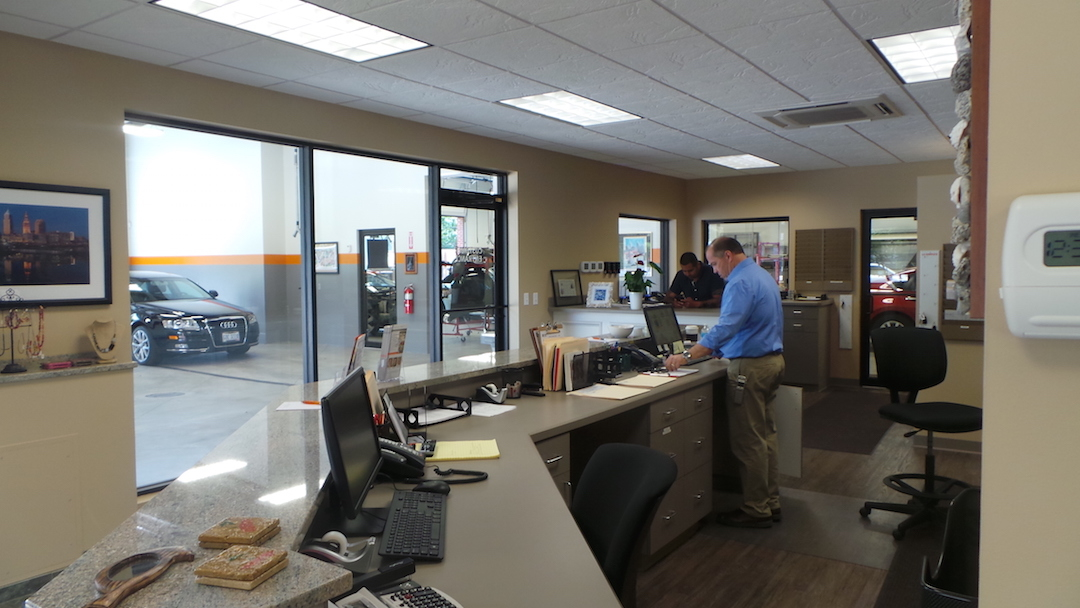 LJI Collision Center Cleveland Heights image 3