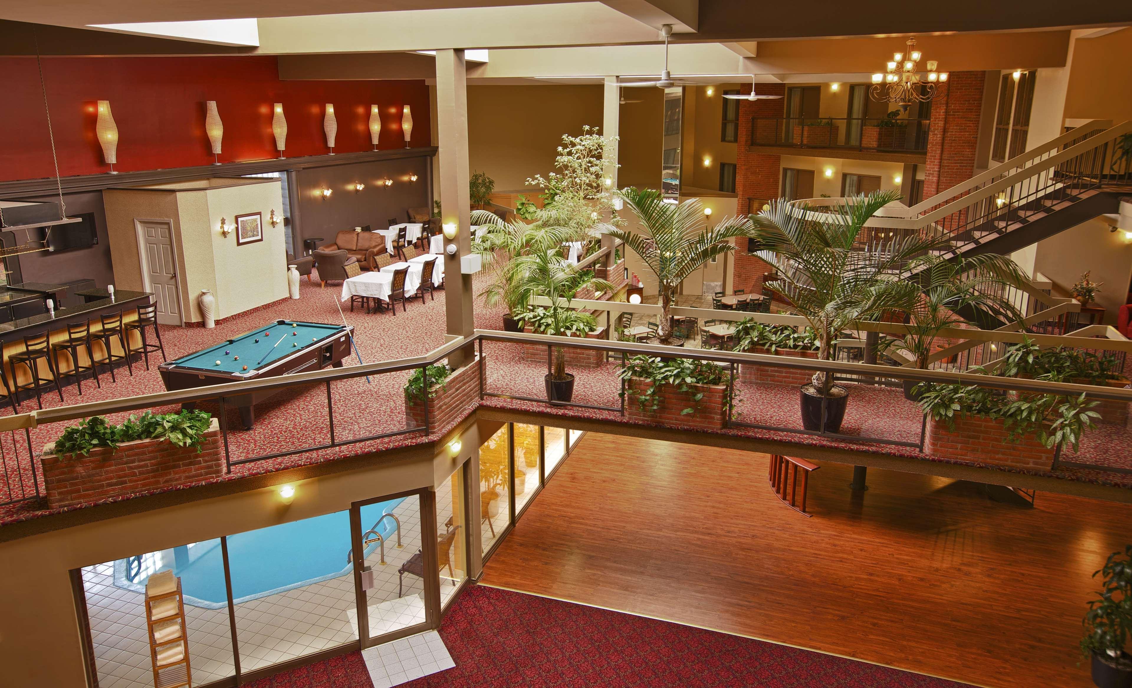 Best Western Laval-Montreal à Laval: Atrium