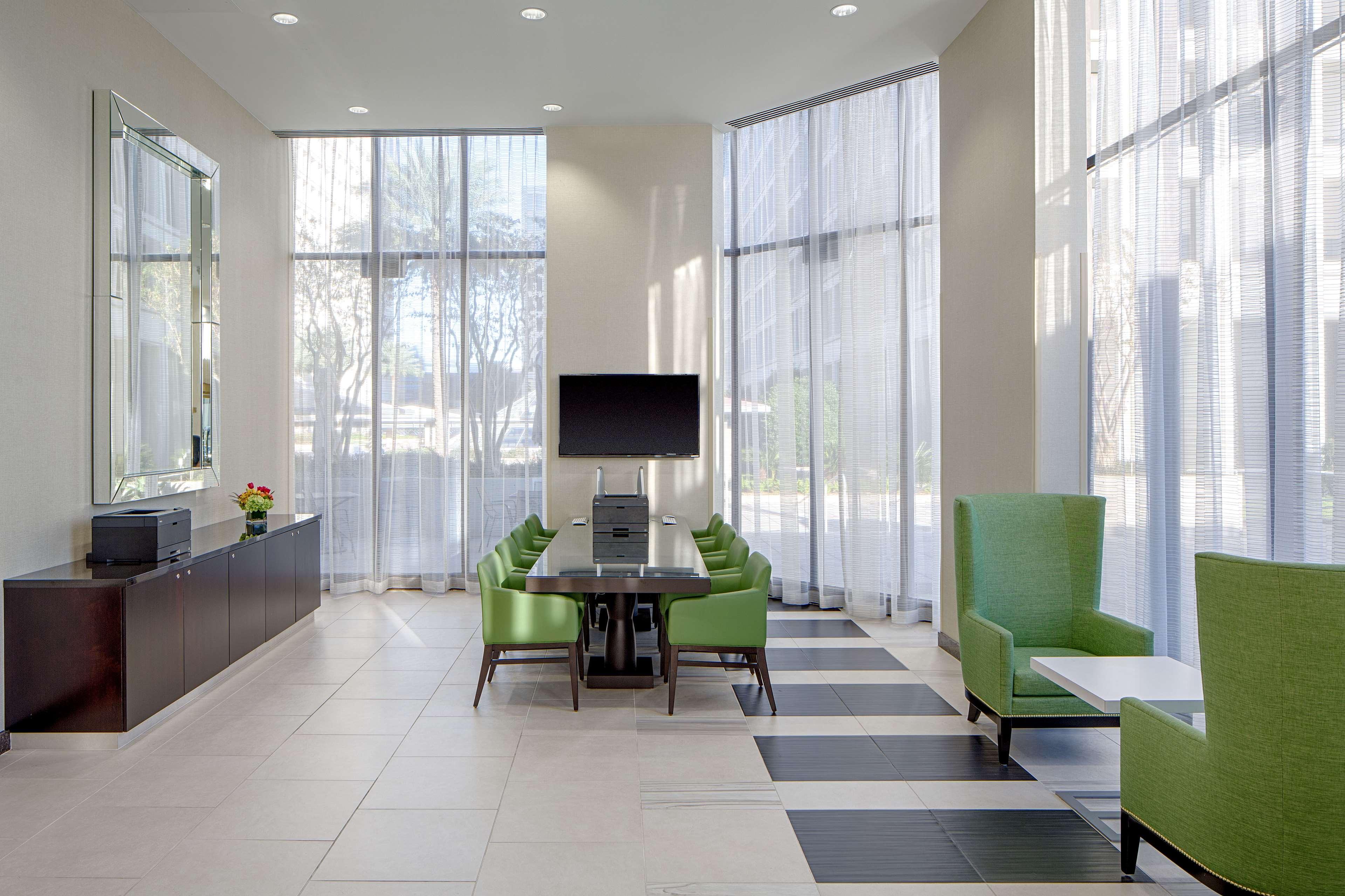 DoubleTree by Hilton Hotel Houston - Greenway Plaza image 44