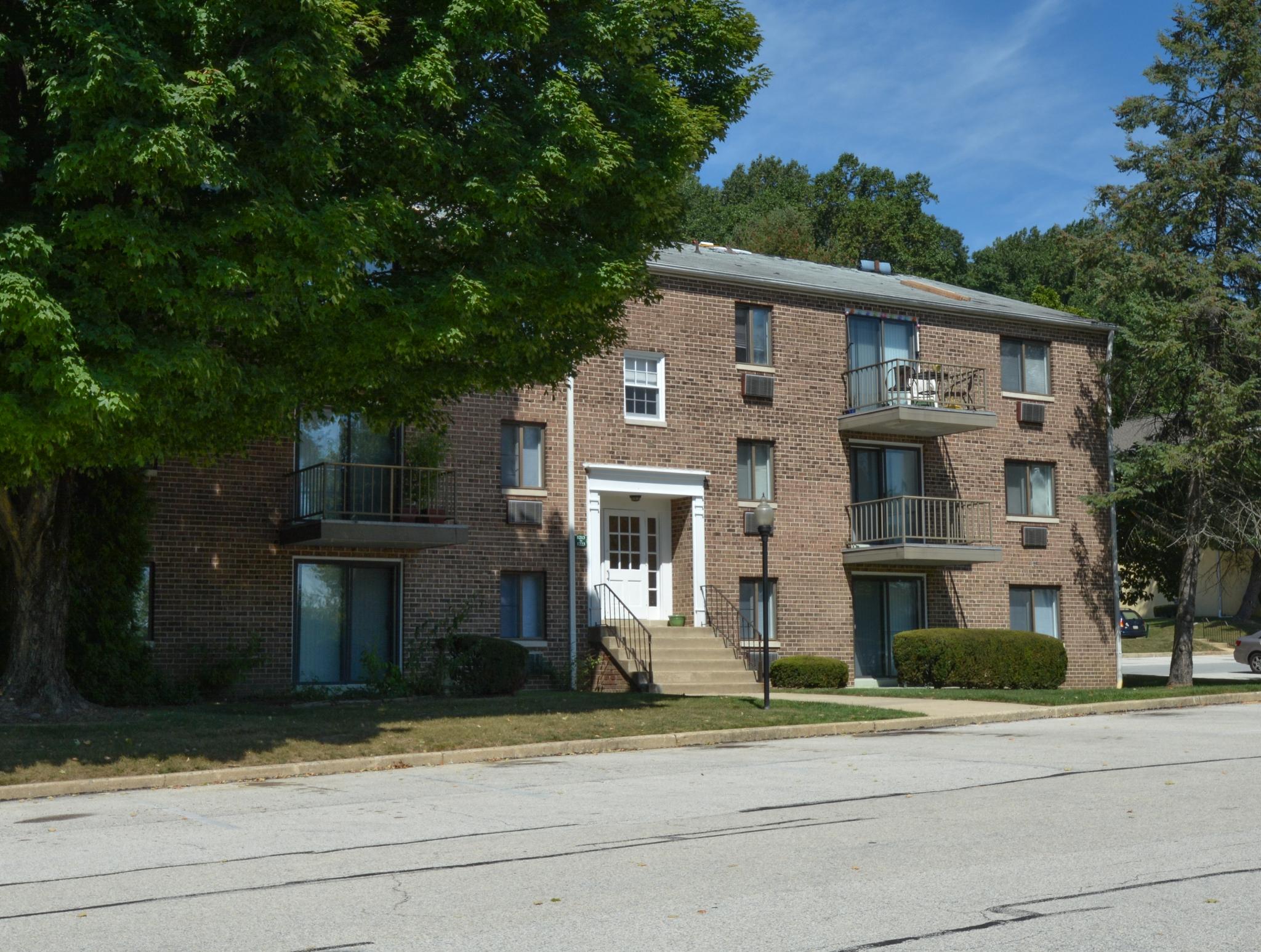 Norwood House Apartments image 7