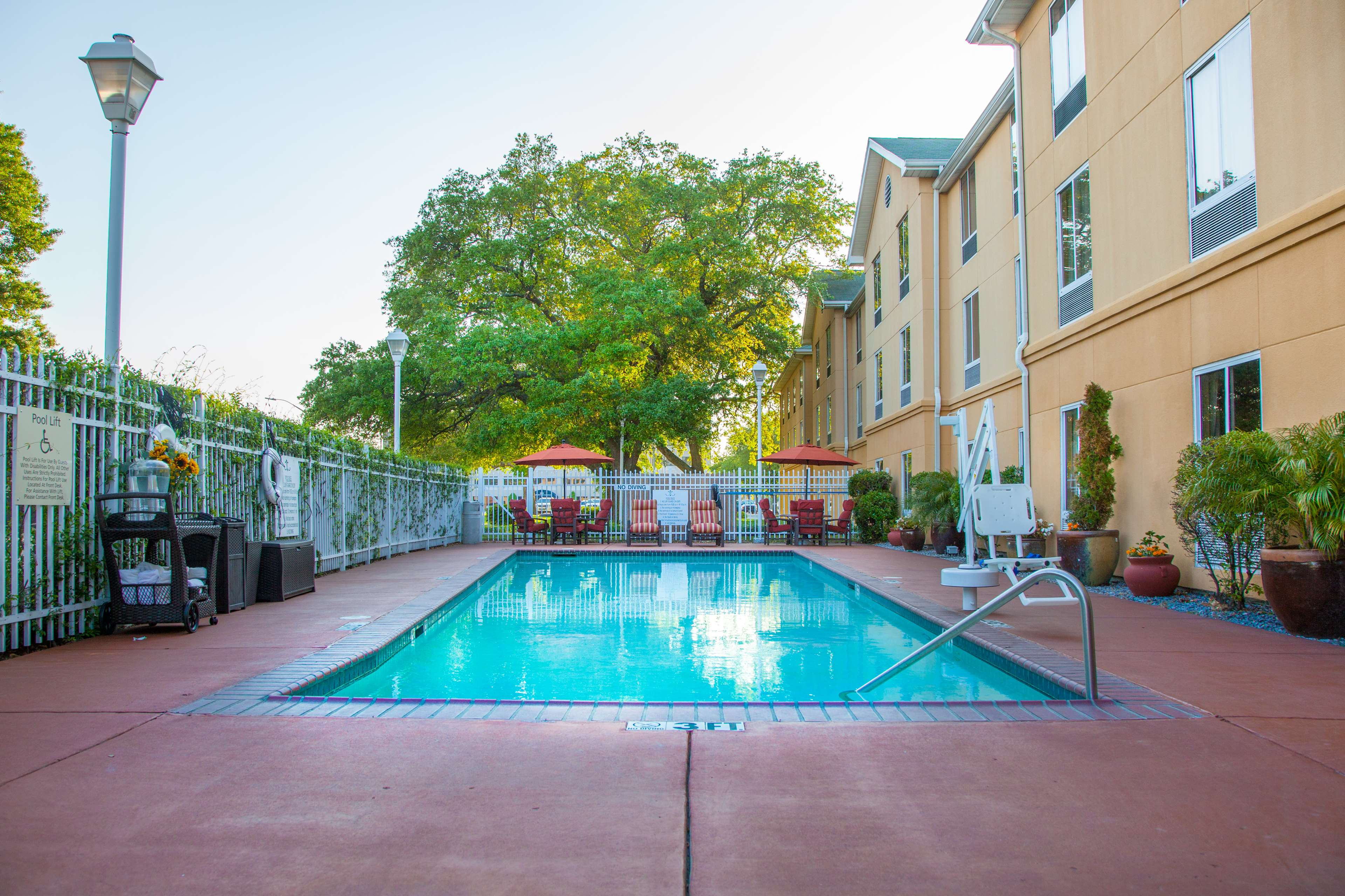 Hampton Inn & Suites New Orleans-Elmwood/Clearview Parkway Area image 6