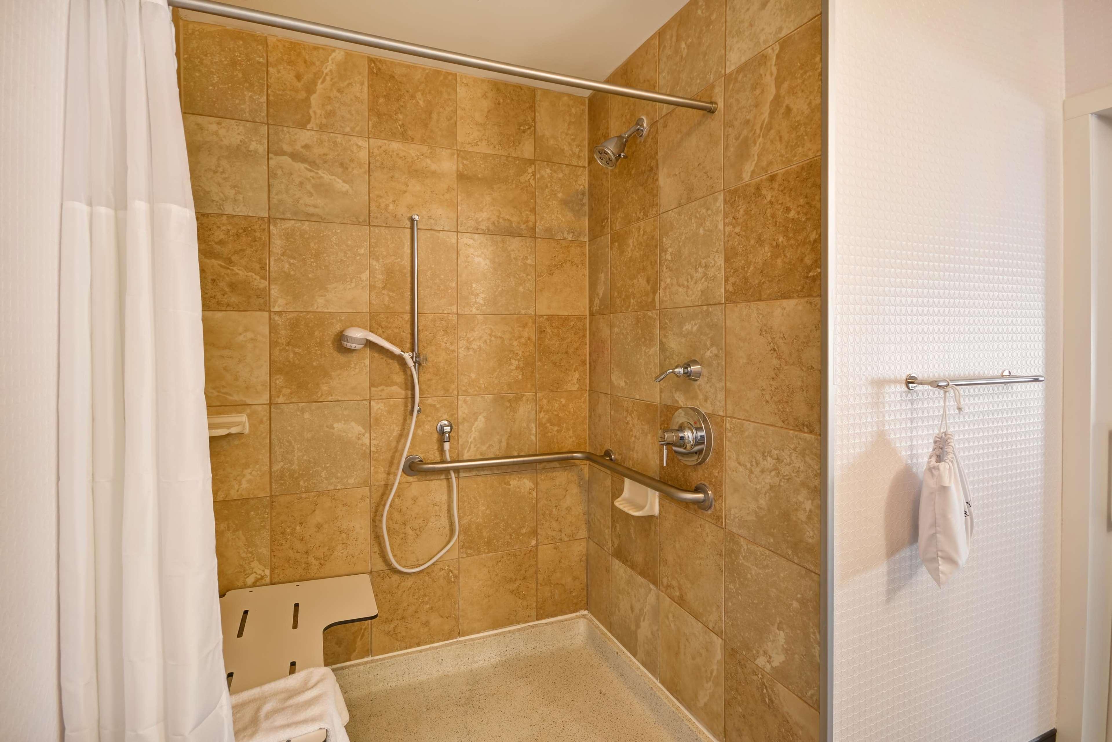 Hampton Inn & Suites Columbus-Easton Area image 36