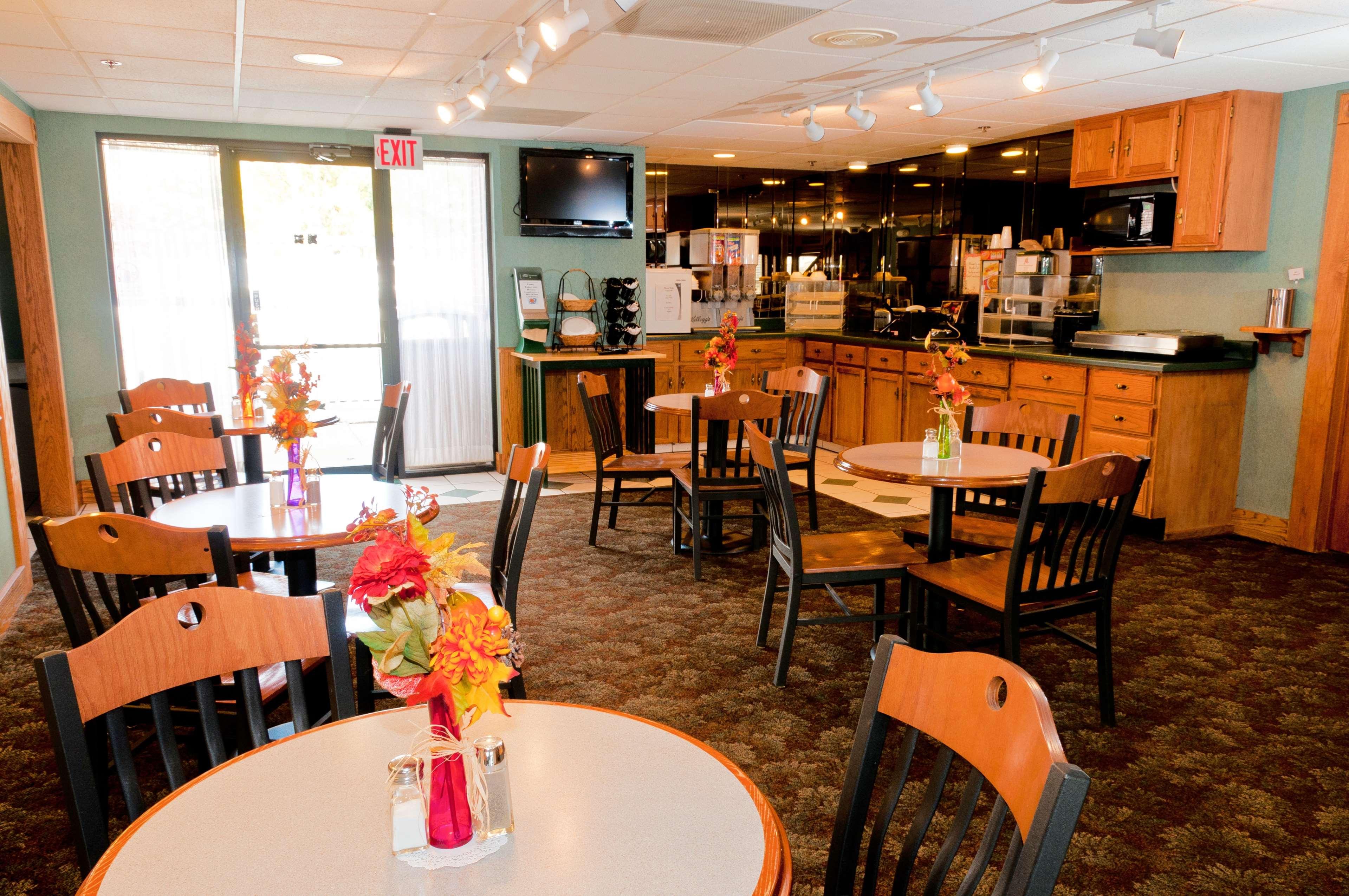 Best Western Kendallville Inn image 23