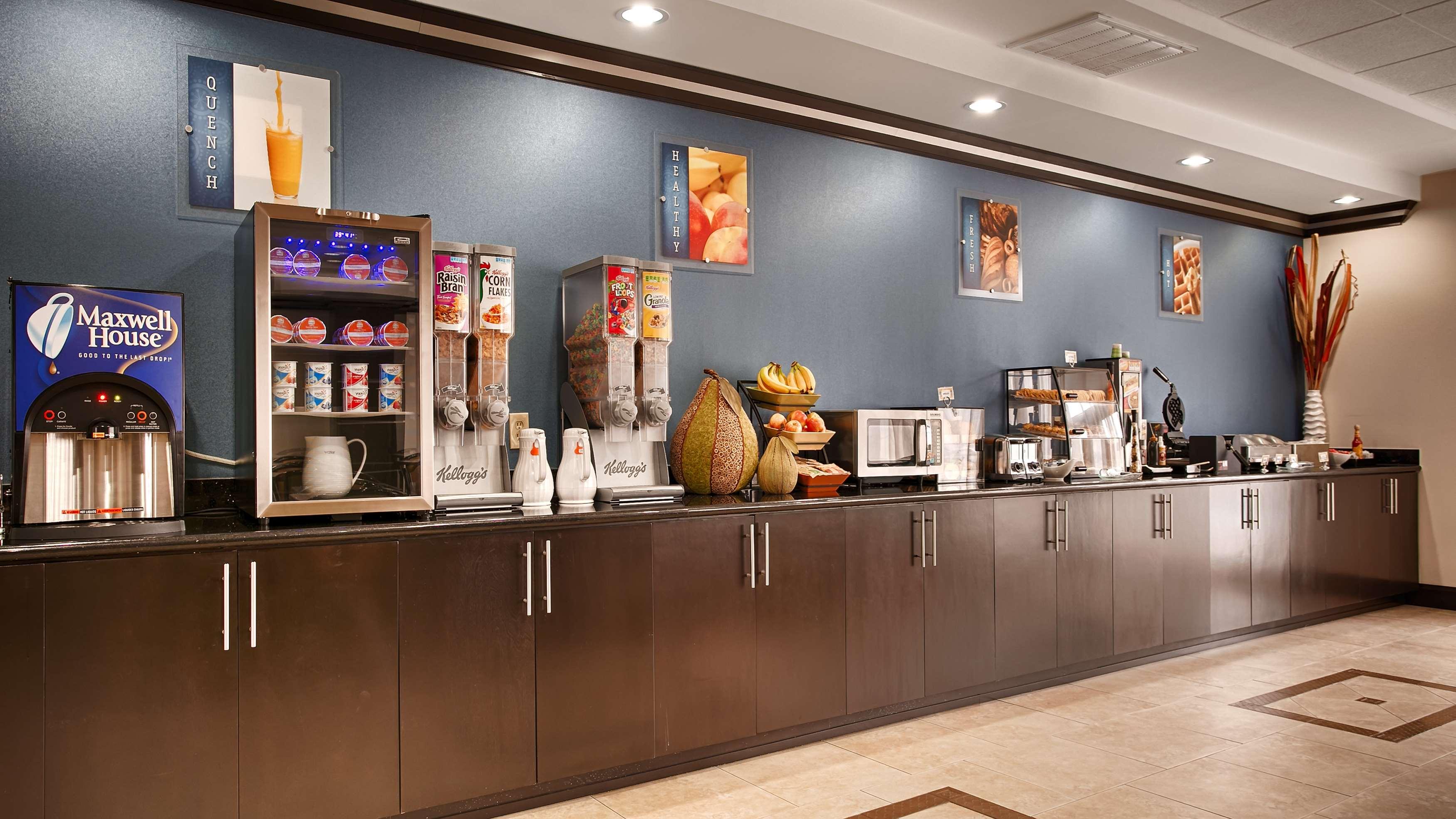 Best Western Plus JFK Inn & Suites image 14