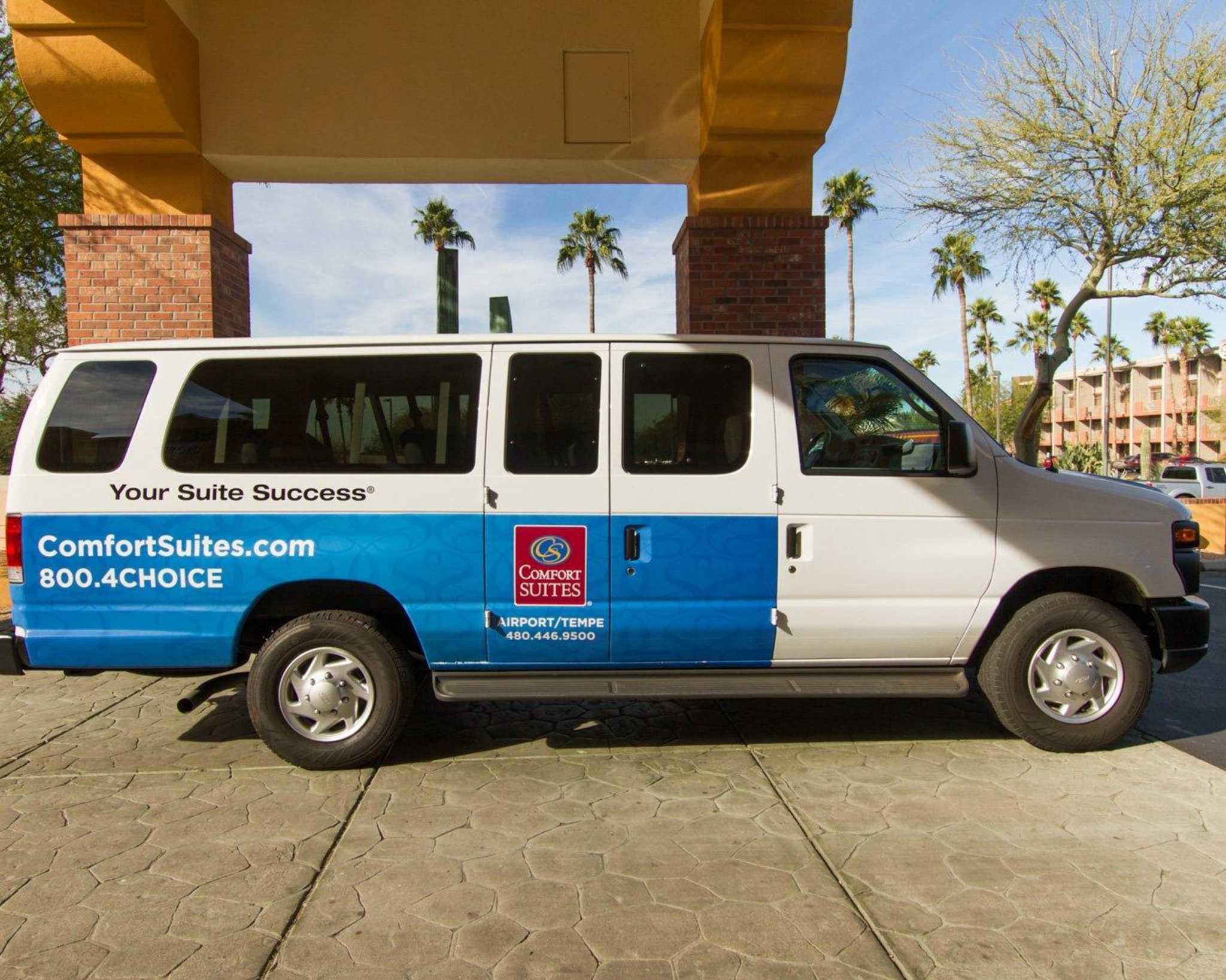 Comfort Suites Phoenix Airport image 30