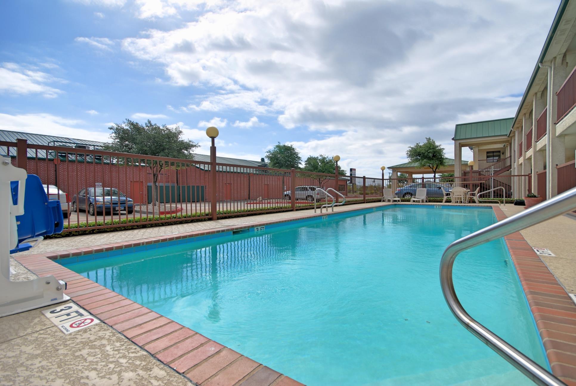 Best Western Cedar Inn image 9