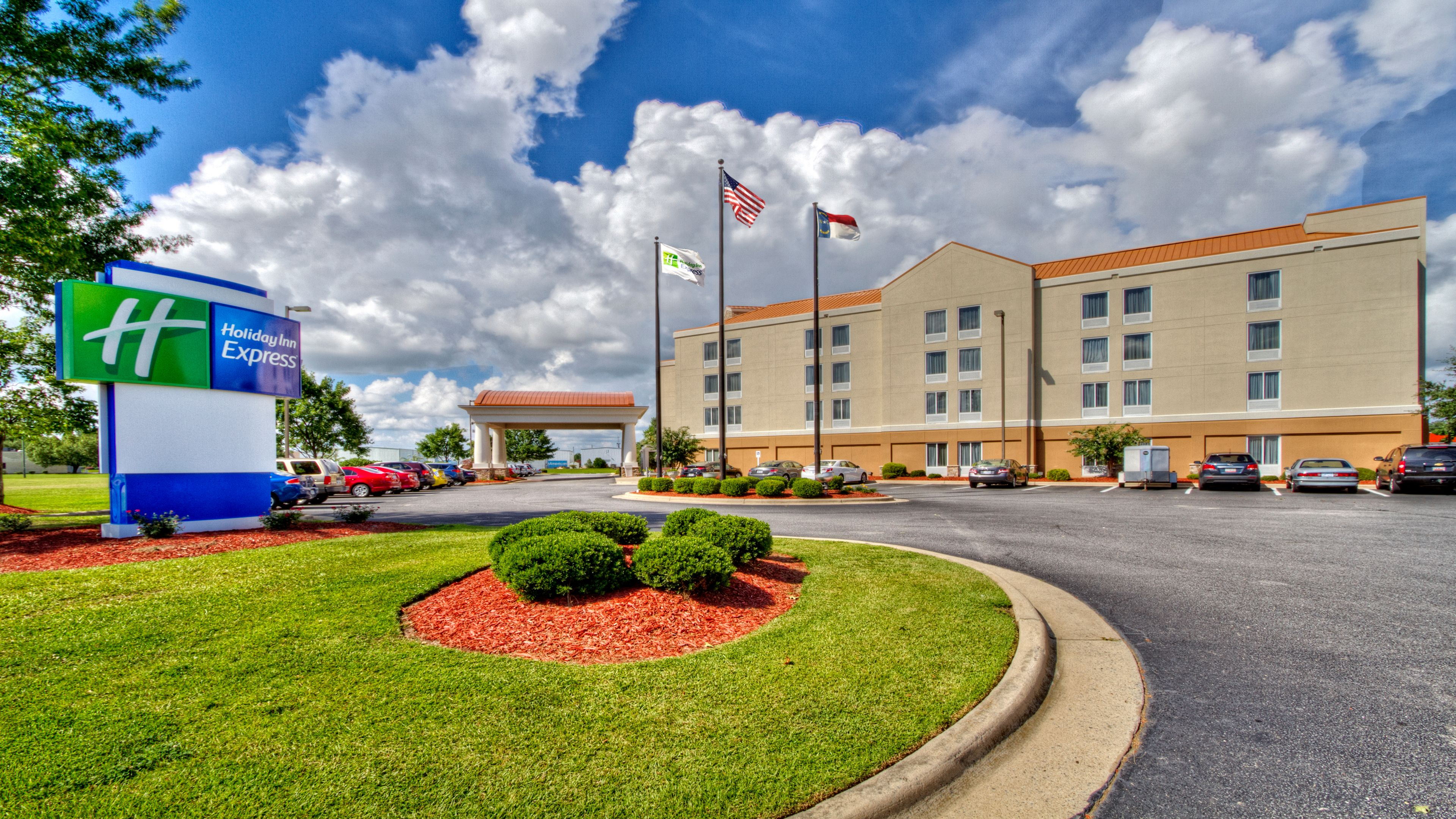 Holiday Inn Express & Suites Greenville image 4